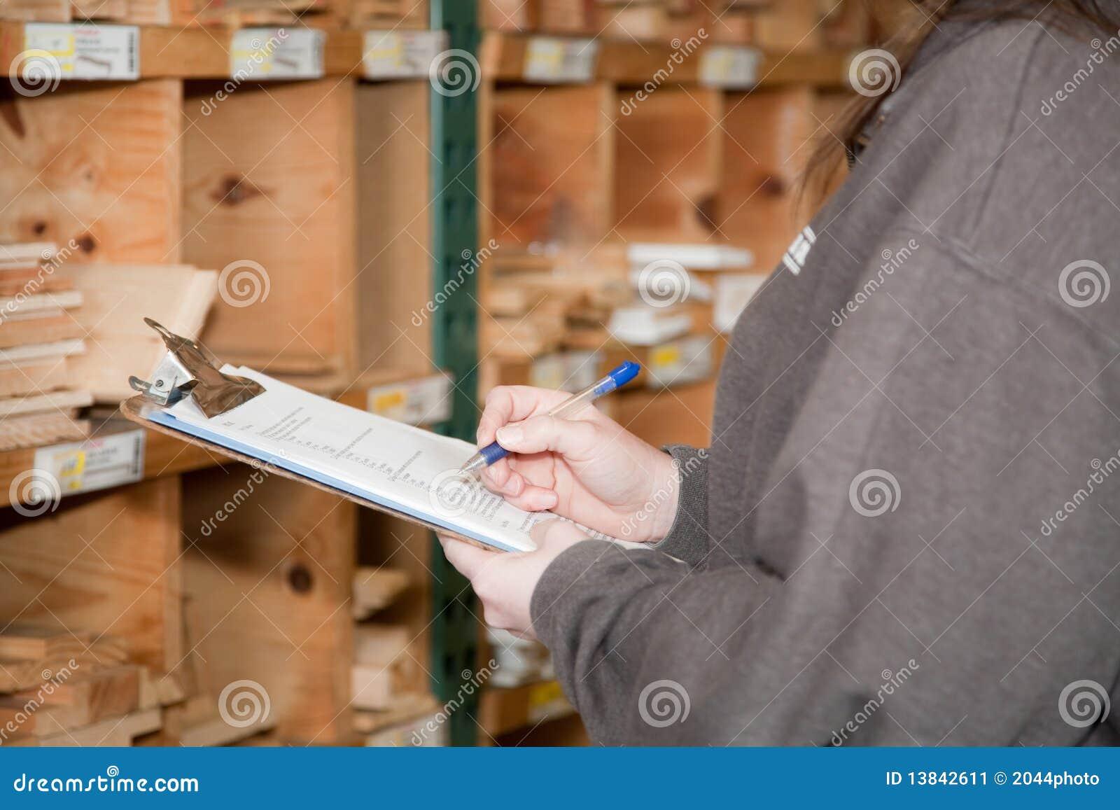 Compte des produits de stocks à un chantier de bois