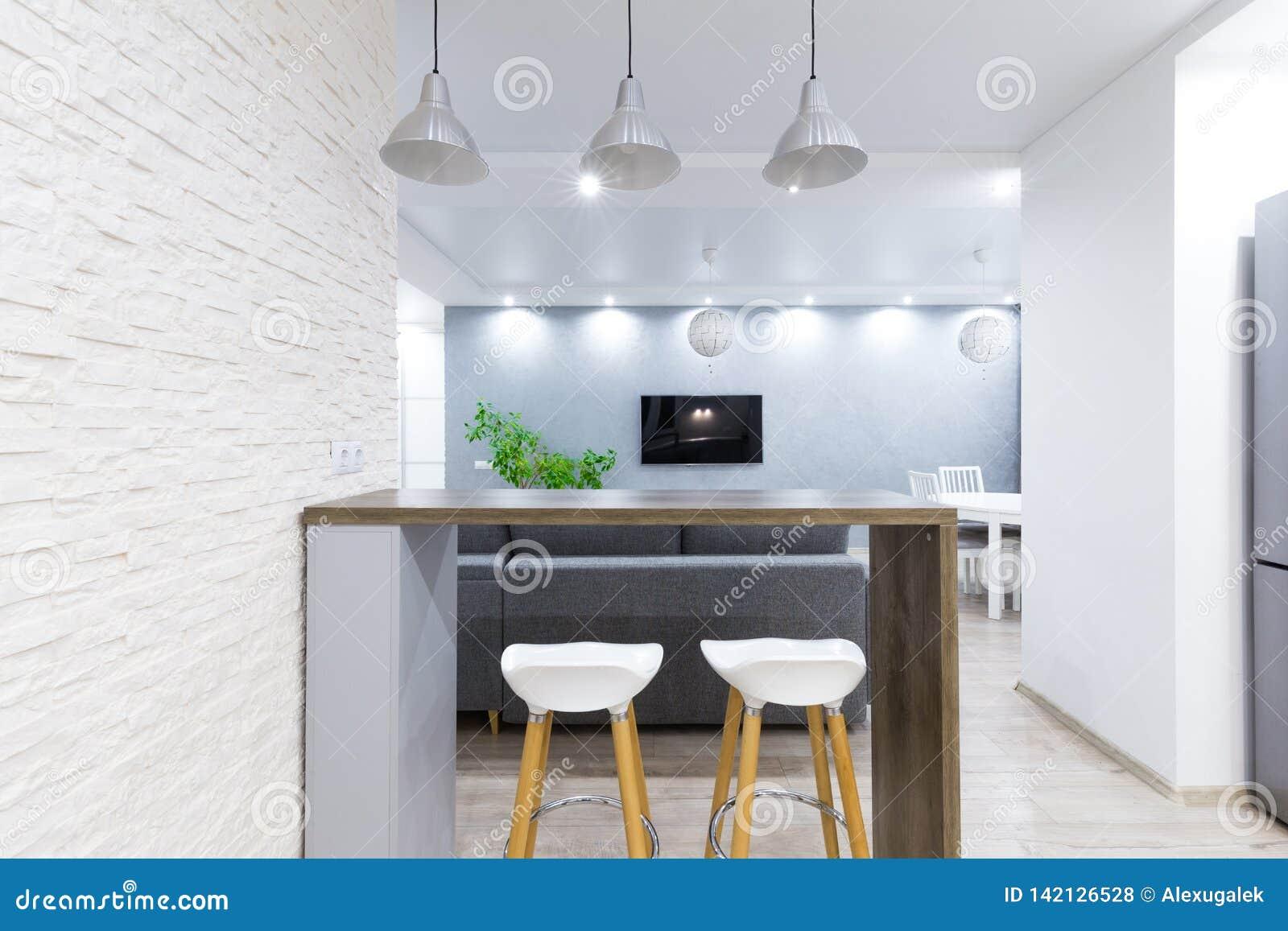 Compteur à l intérieur d appartement moderne