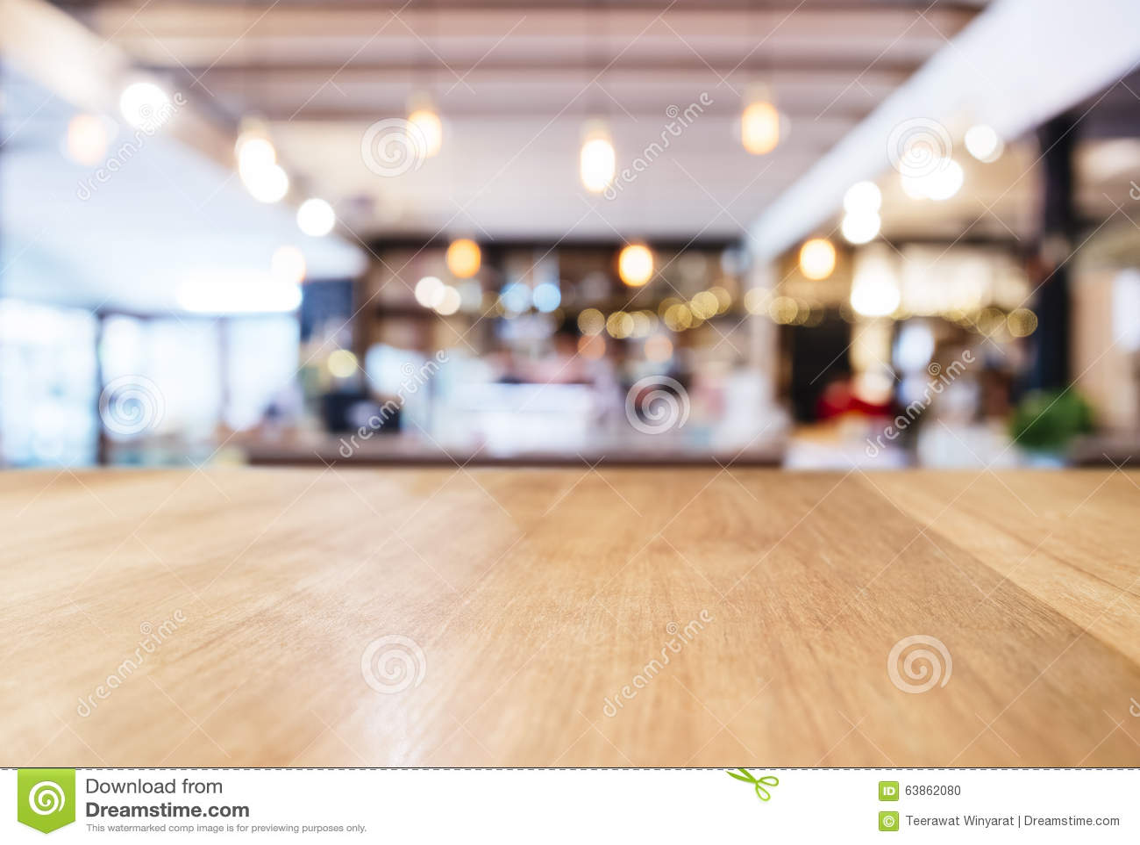 Compteur de dessus de Tableau avec le backgrou brouillé d intérieur de boutique de restaurant