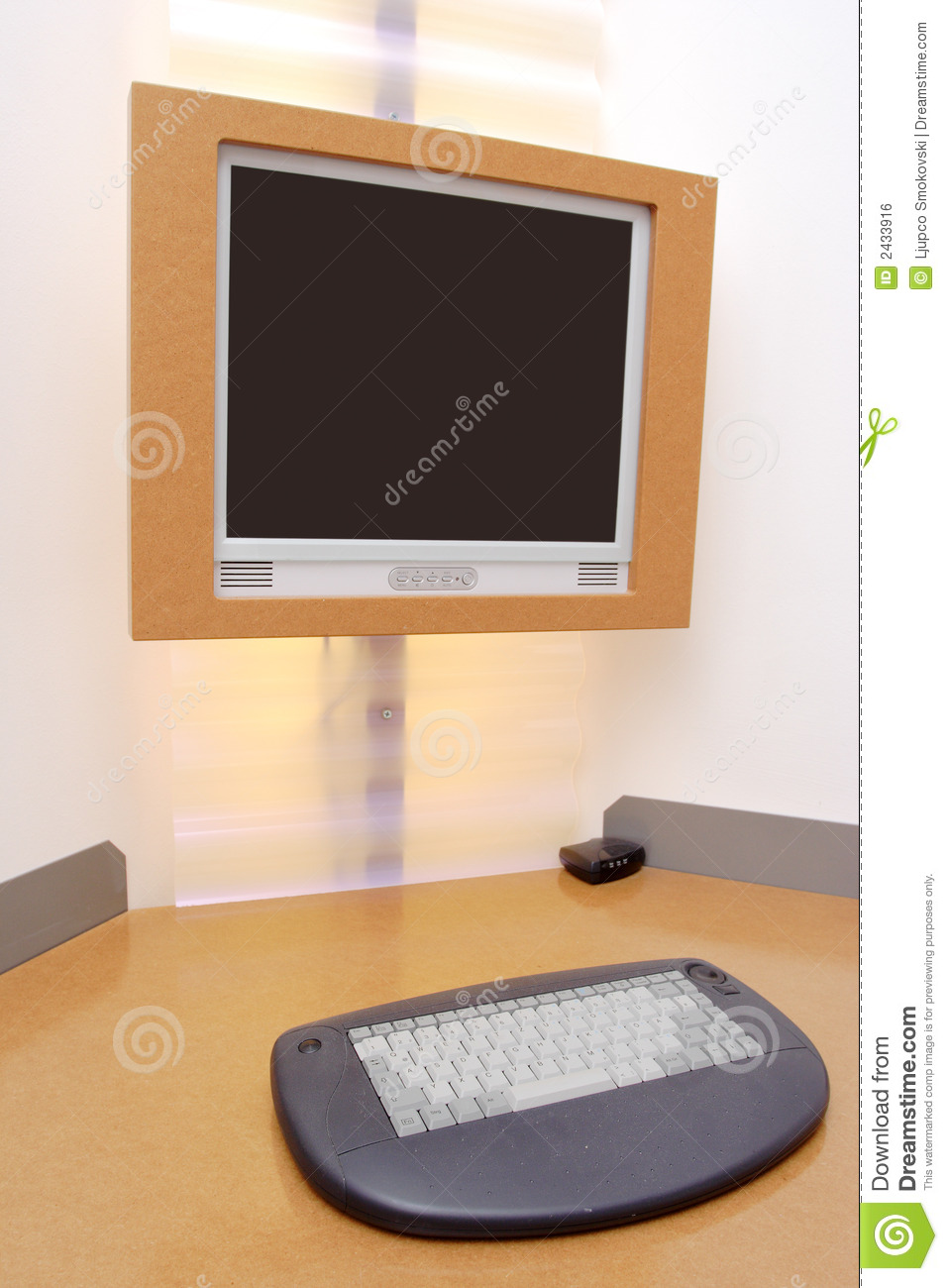 Hotel Room Desk: Computer Desk In A Hotel Royalty Free Stock Image