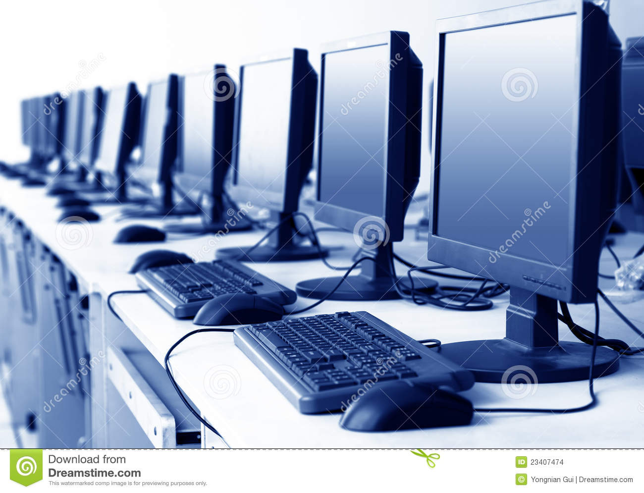 Computer Lab Stock Photos - Image: 3261973