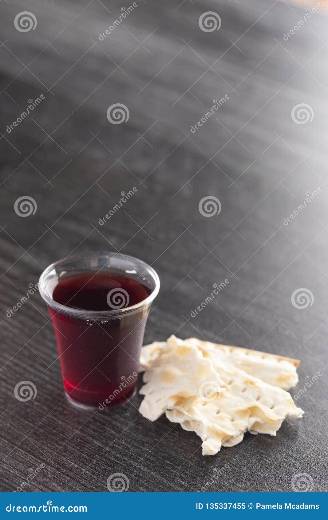 Comunión santa de Christian Faith del vino y del pan ácimo