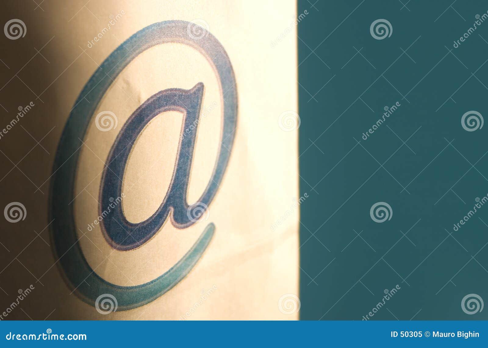 Comunicación del email - @