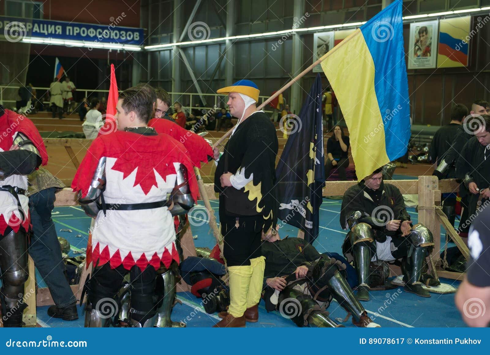 Con la bandera de Ucrania