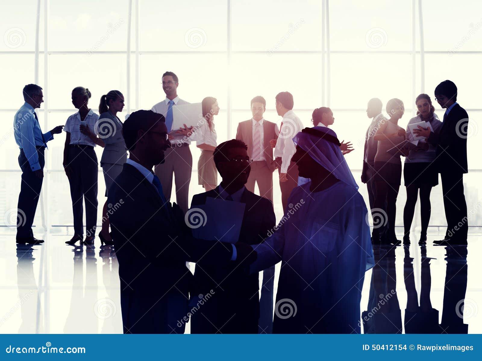 Conc de Handdruk Globale Mededeling van de bedrijfsmensenvergaderzaal