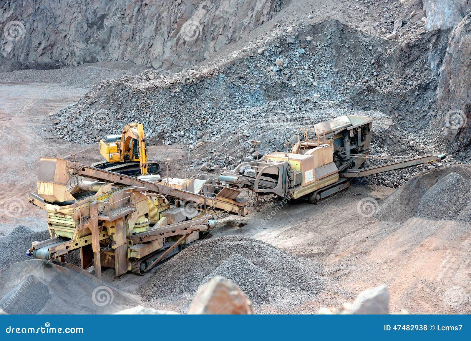concasseur de pierres dans une mine ciel ouvert photo stock image 47482938. Black Bedroom Furniture Sets. Home Design Ideas