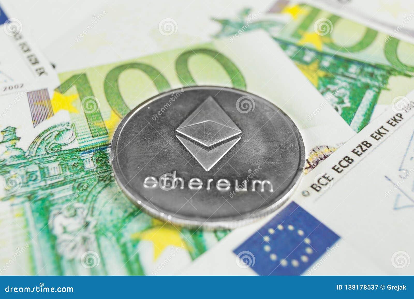 Conceito cripto da moeda - um Ethereum com euro- contas