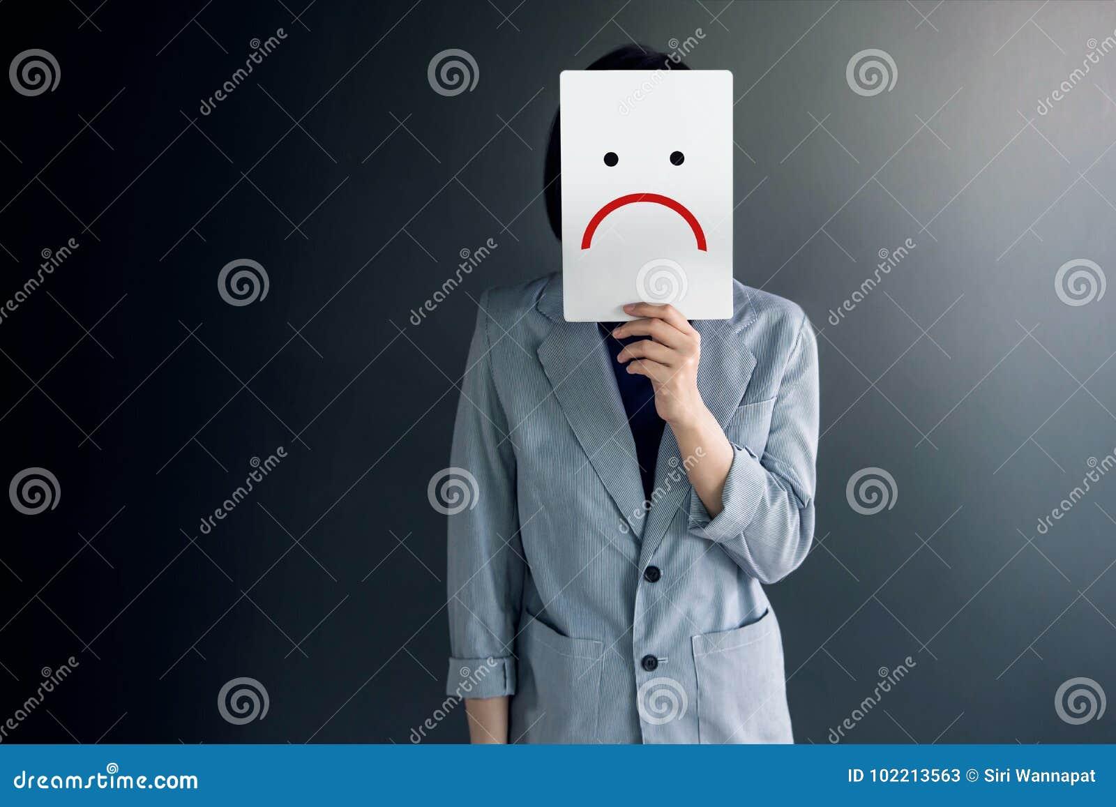 Conceito da experiência do cliente, retrato do cliente com sentimento do Dis