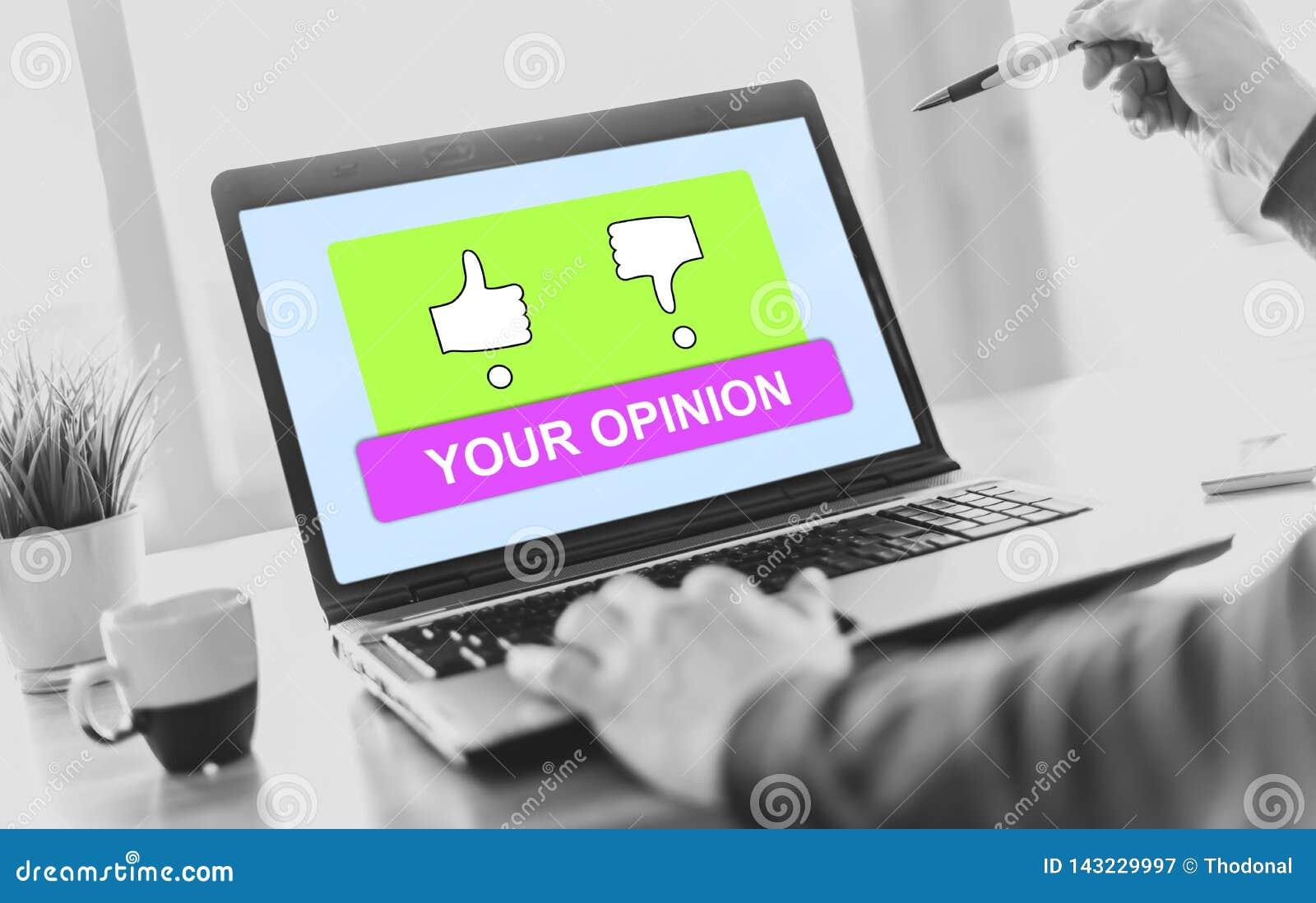 Conceito de avaliação em uma tela do portátil