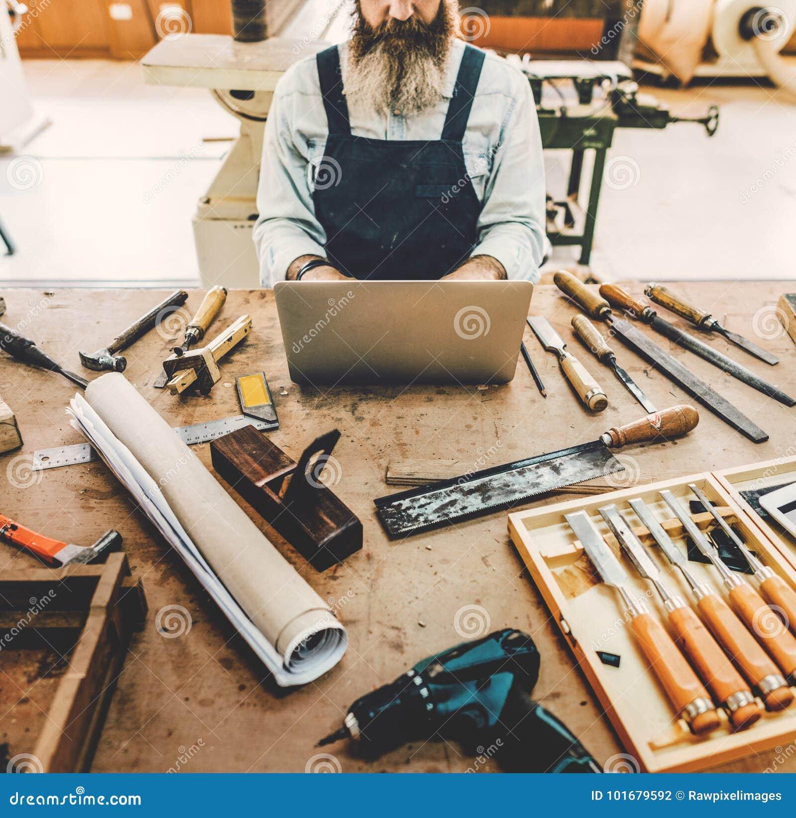 Conceito de Handicraft Wooden Workshop do artesão do carpinteiro