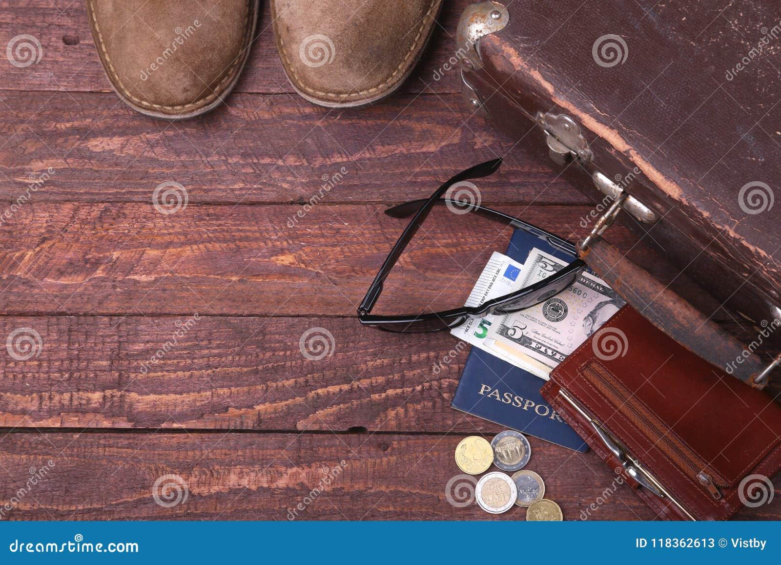 cb09360b0eb70 Conceito Do Curso Com Mala De Viagem Do Vintage