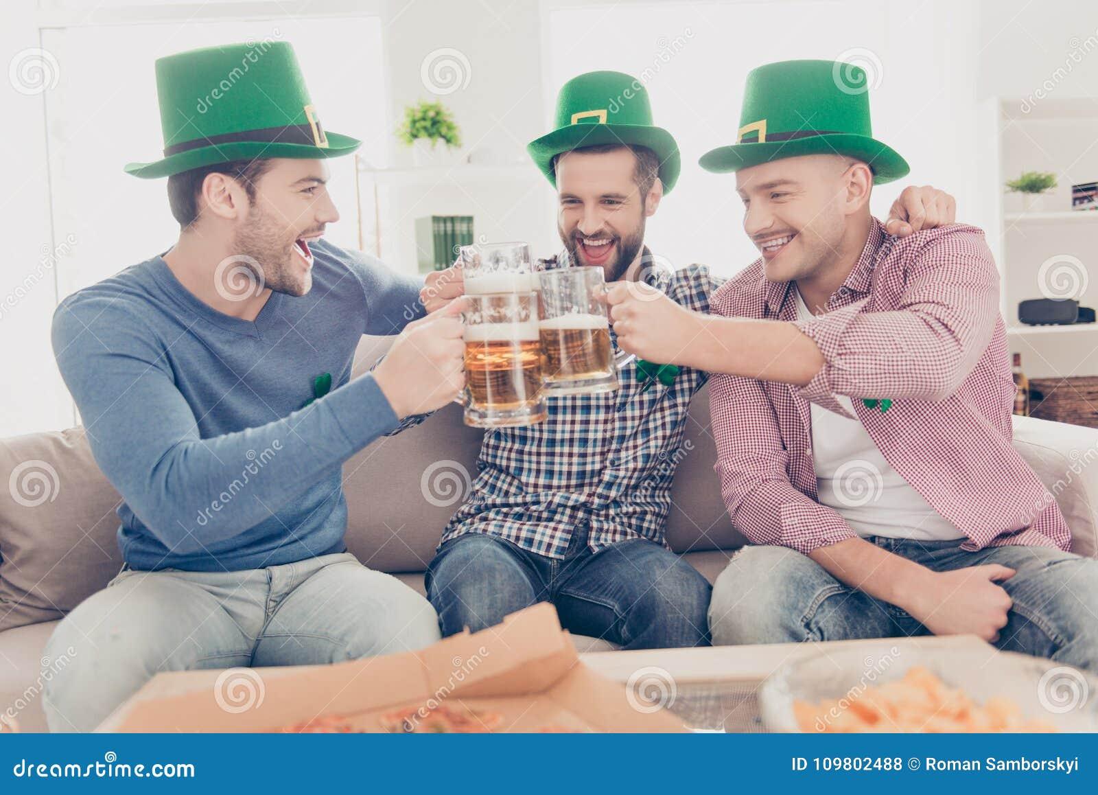 Conceito do dia do ` s de St Patrick Retrato do riso, alegre, positi