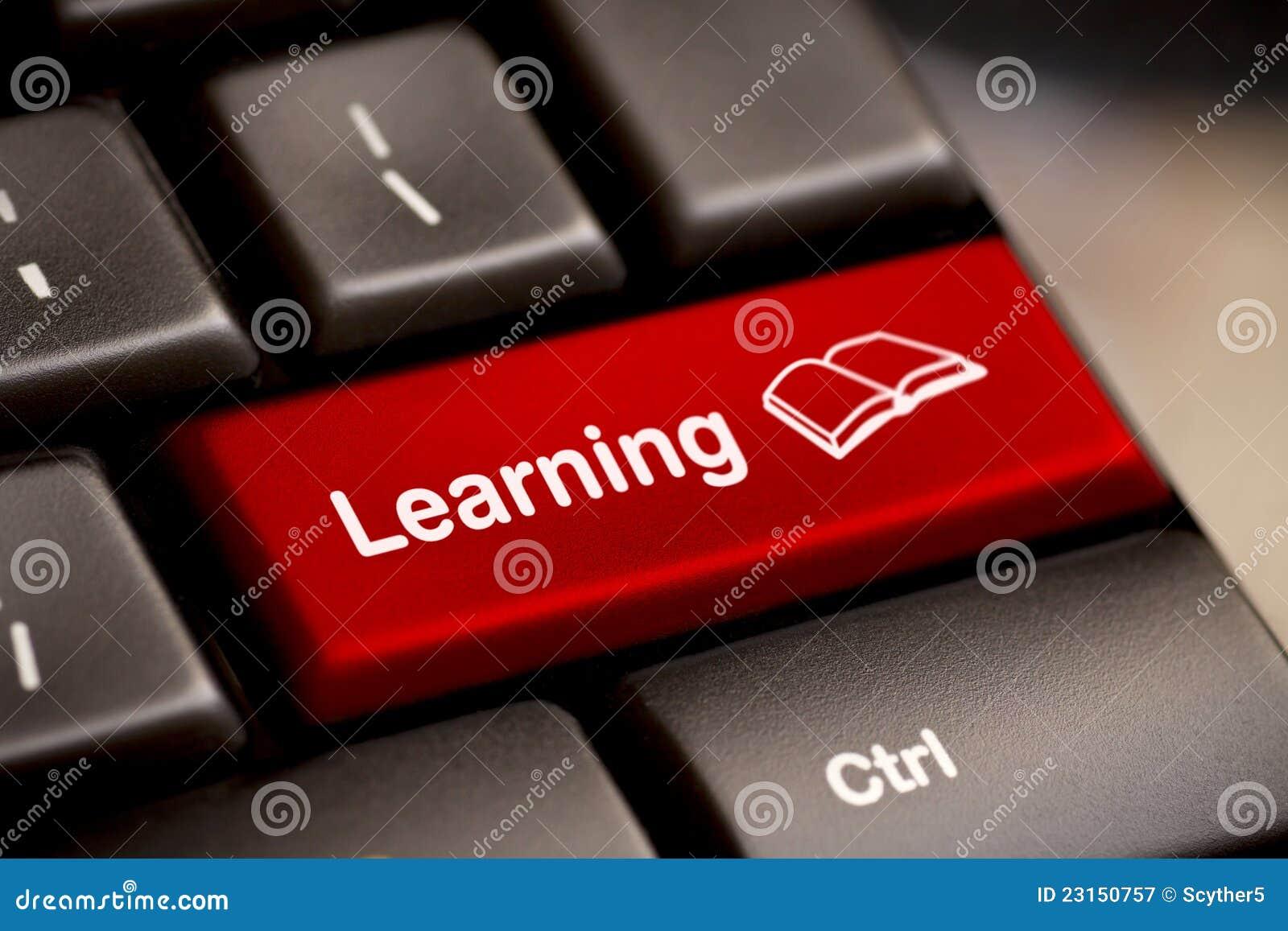 Conceito do ensino electrónico. Teclado de computador