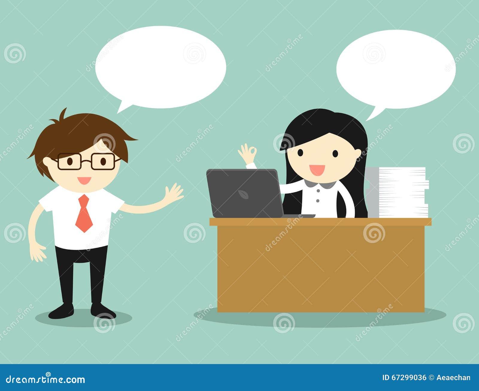 Conceito do negócio, mulher de negócio que trabalha em sua mesa ao falar com homem de negócios