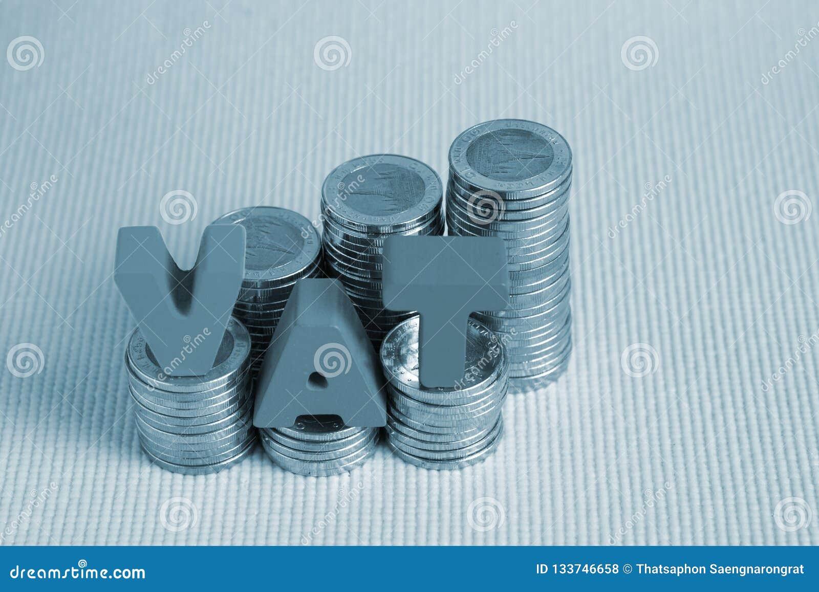 Conceito dos impostos sobre o valor acrescentado do ICM Alfabeto do ICM da palavra feito da madeira