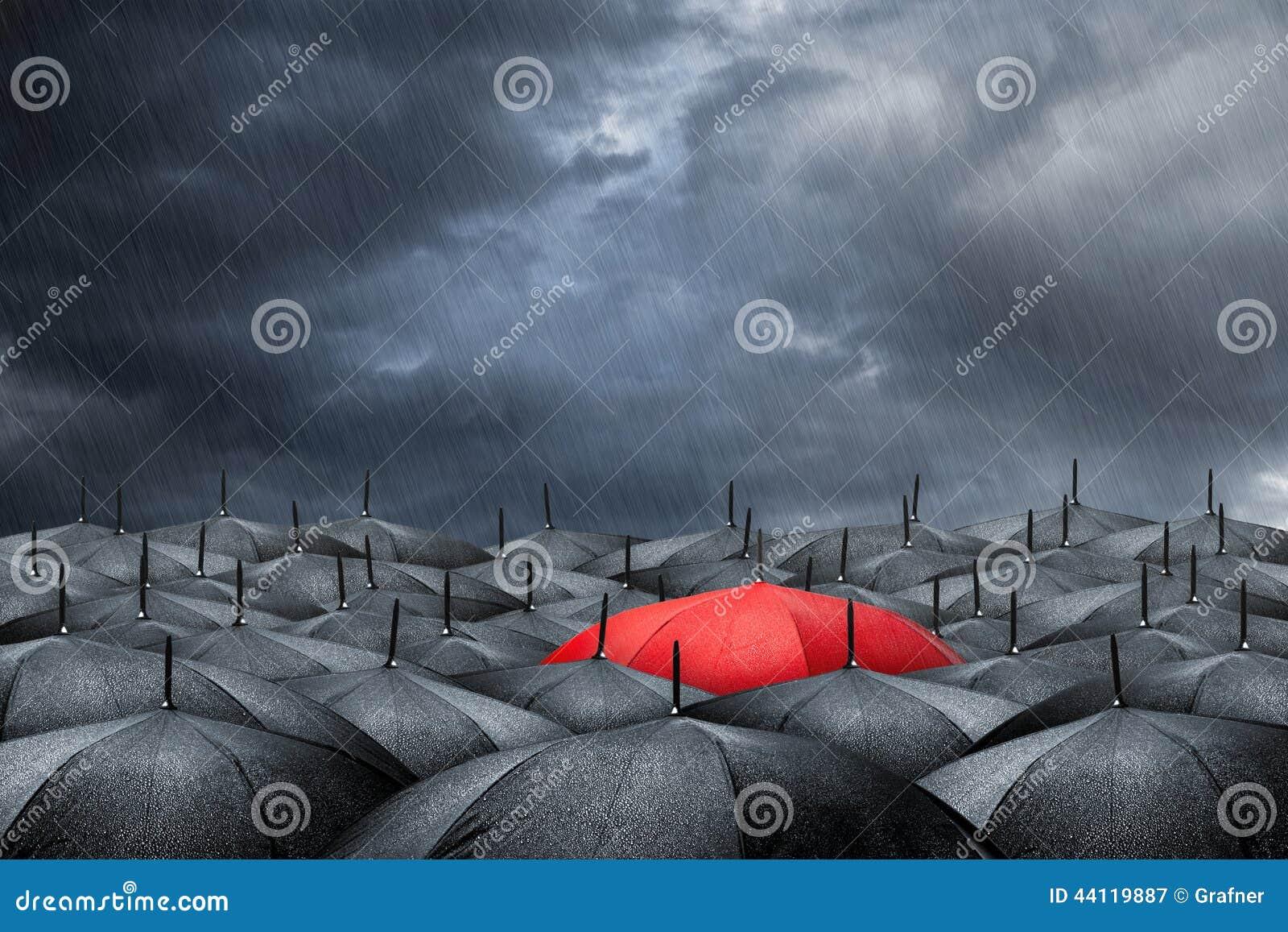 Conceito vermelho do guarda-chuva