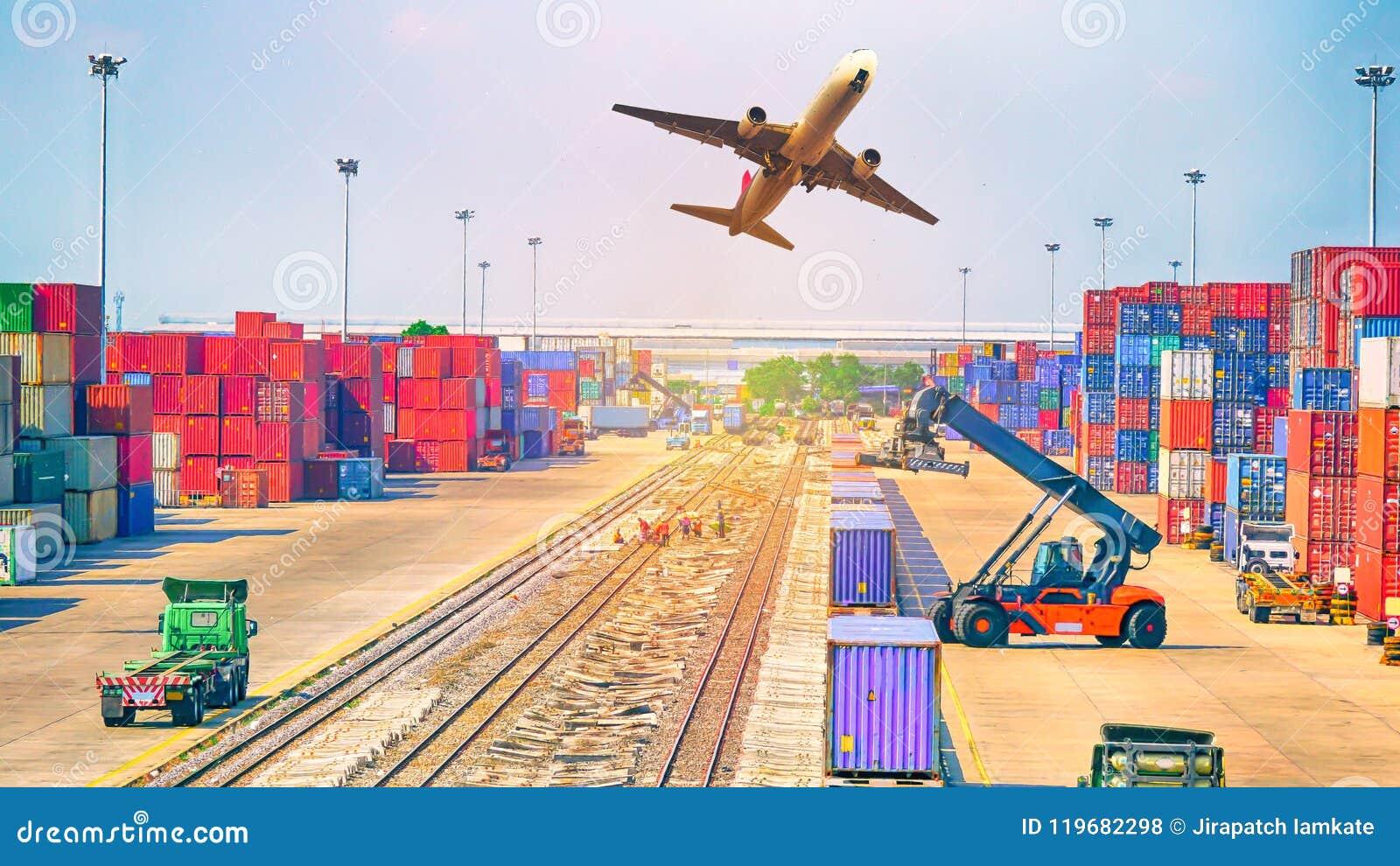 Concept, avion, camion et train de logistique d affaires pour logistique