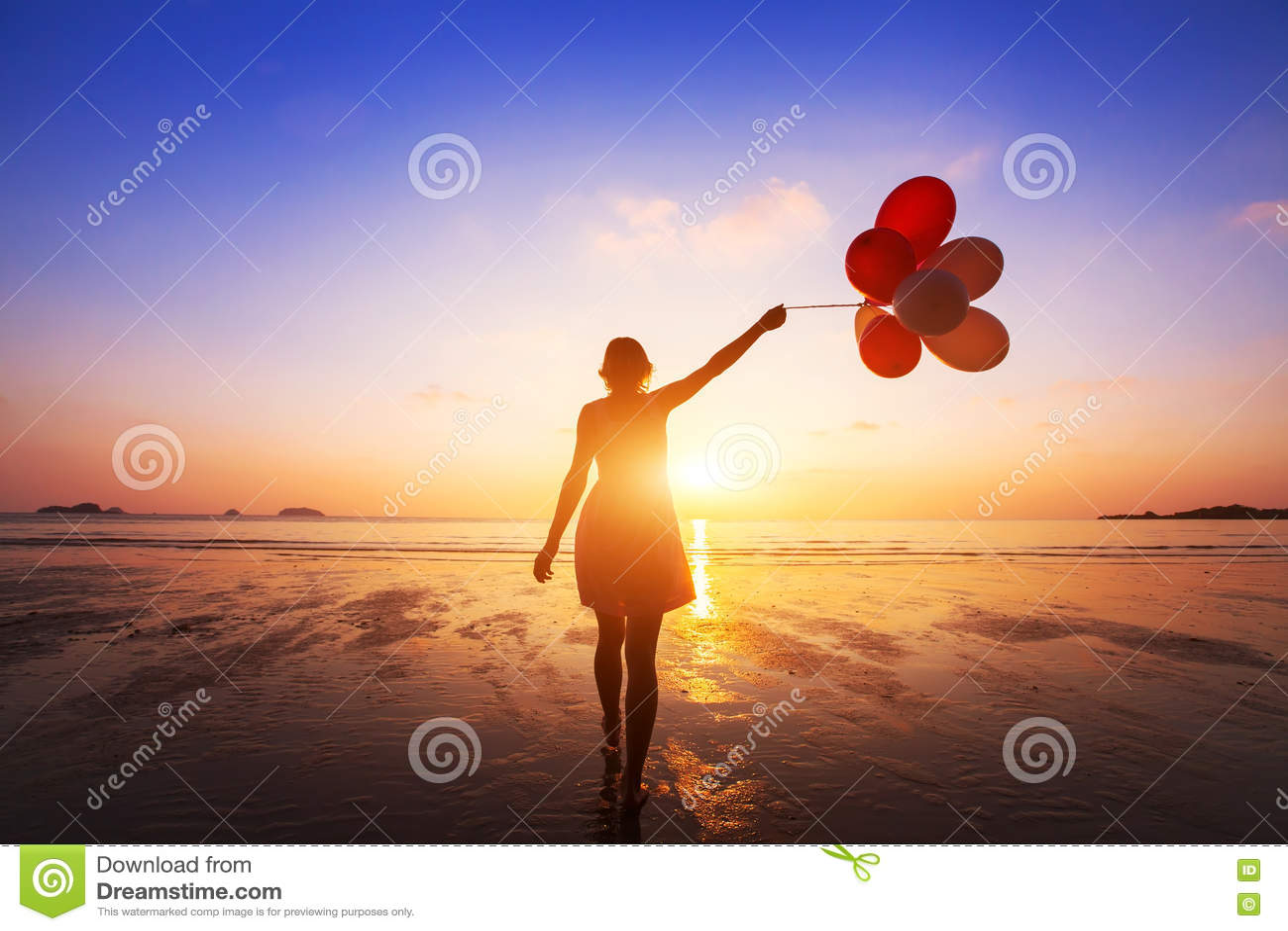 Concept de bonheur, émotions positives, fille heureuse