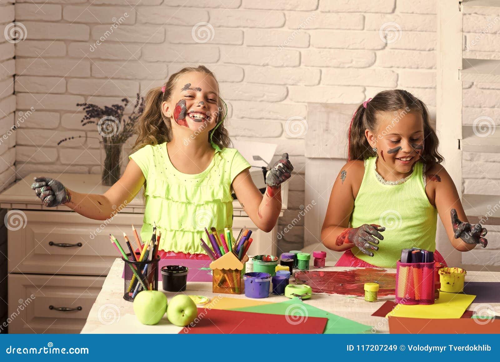 Concept de bonheur d enfants d enfance d enfant Arts et métiers
