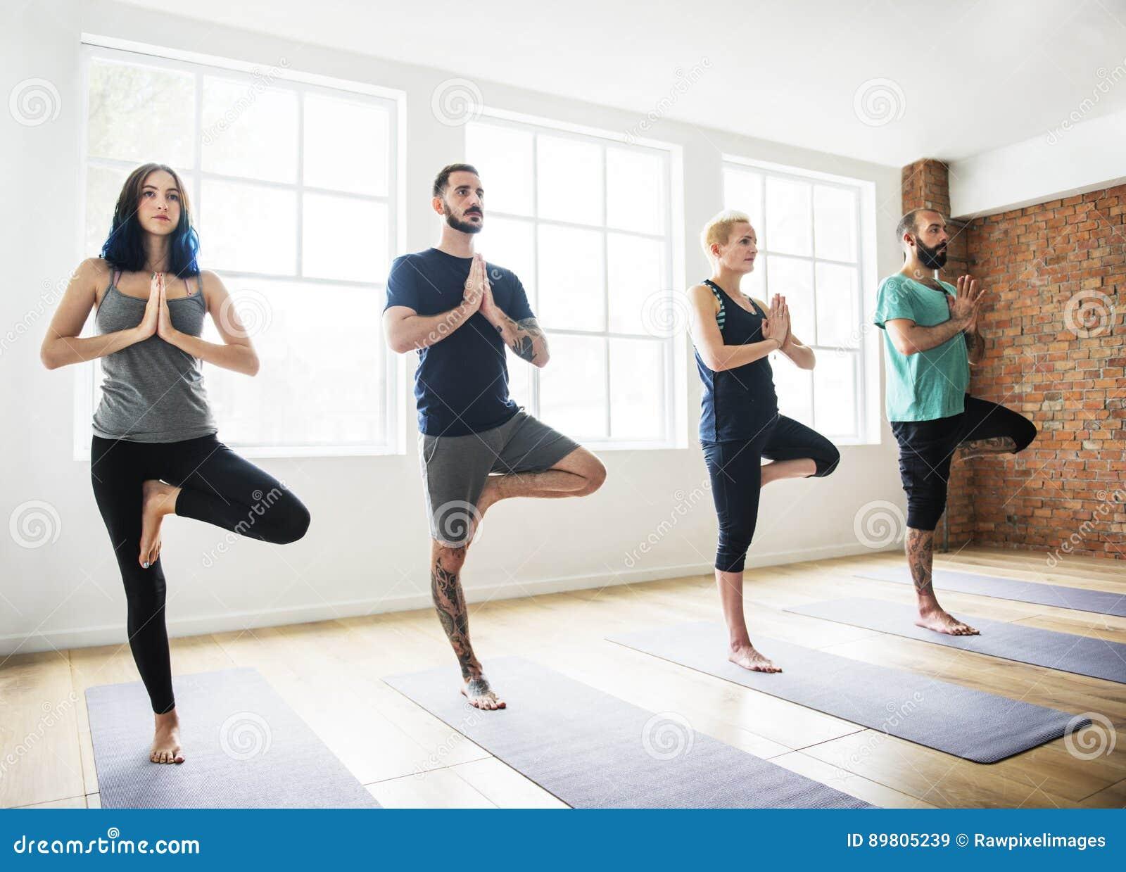 Concept de classe d exercice pratique de yoga