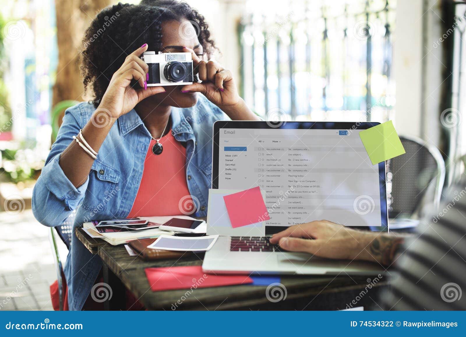 Concept de correspondance de Digital d ordinateur d email de photographie