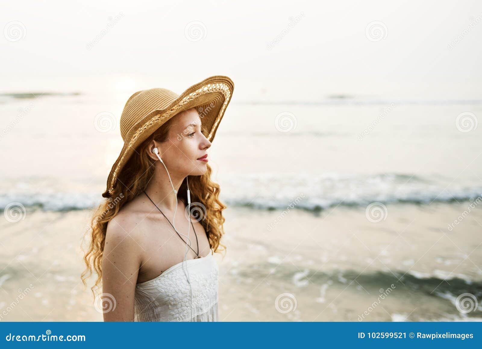 Concept de déplacement de relaxation de vacances de vacances d été de plage