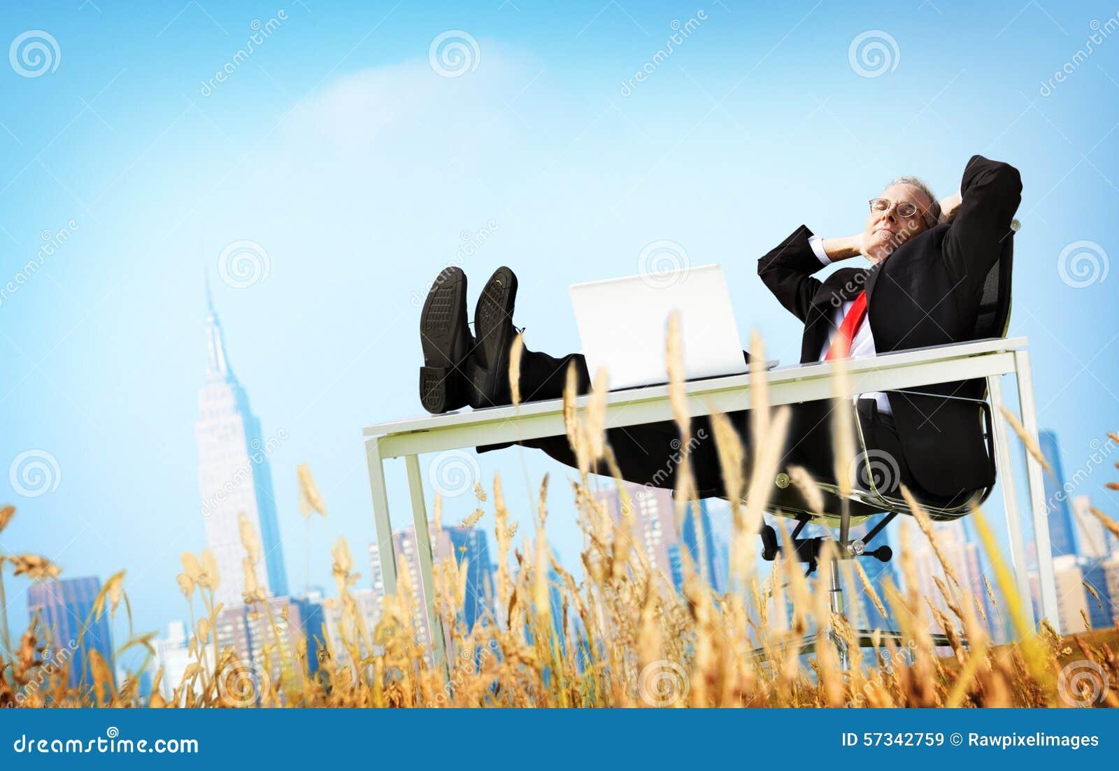 Concept de fuite de Relaxation Freedom Happiness d homme d affaires