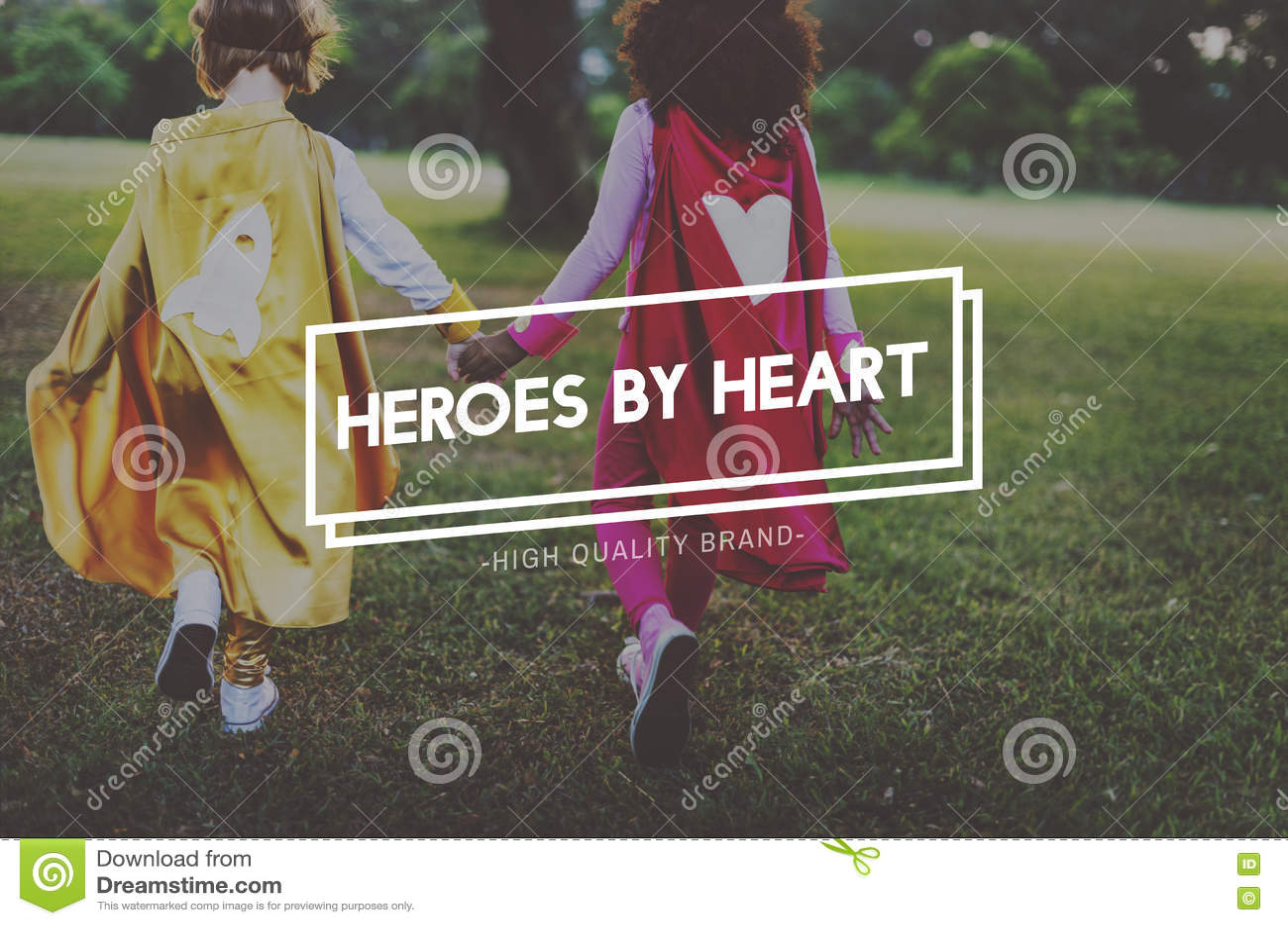Concept de la jeunesse de héros innocent d enfants jeune