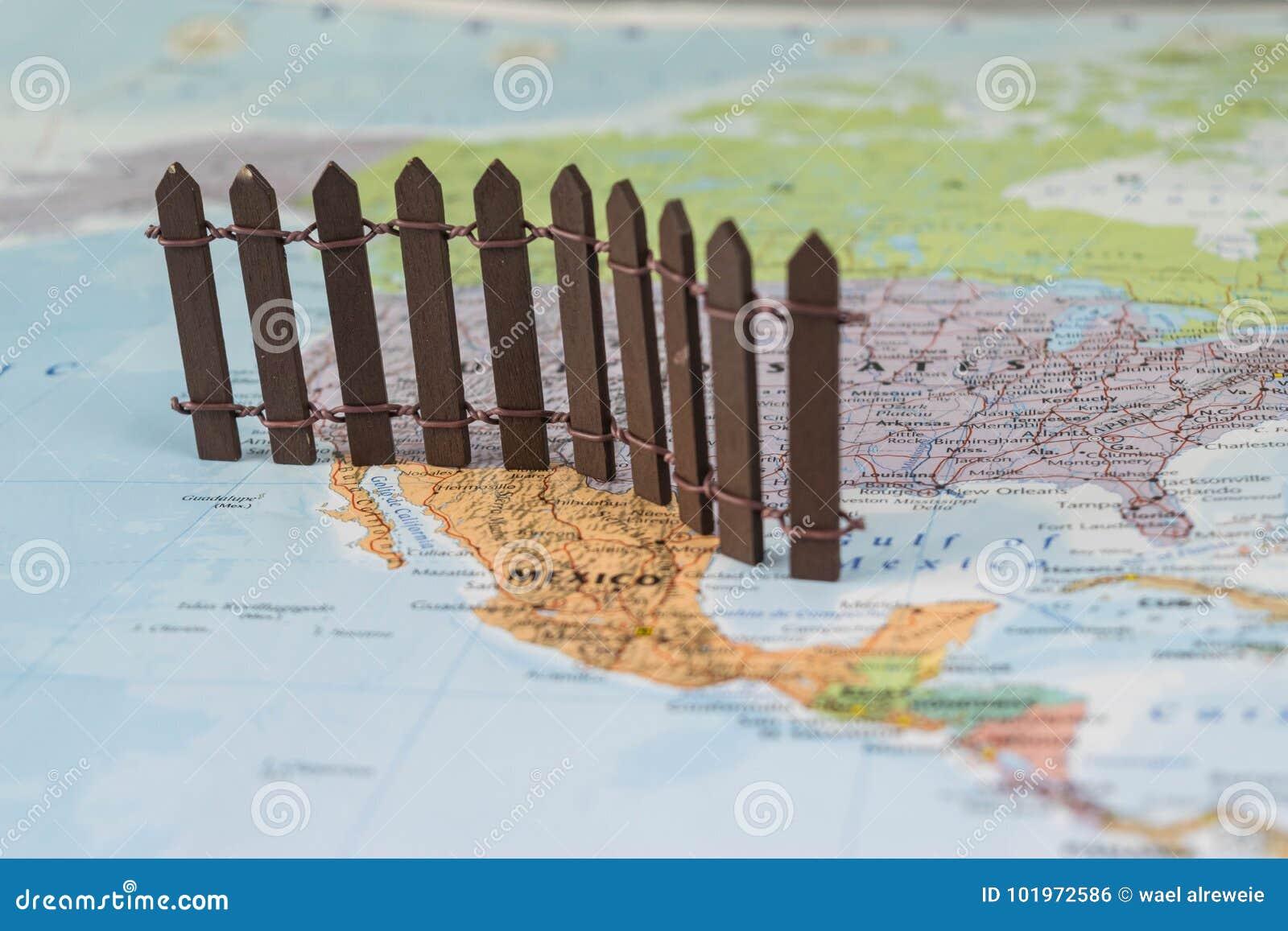 Concept de mur Nous-mexicain de frontière comme proposé par le Président américain Donald Trump