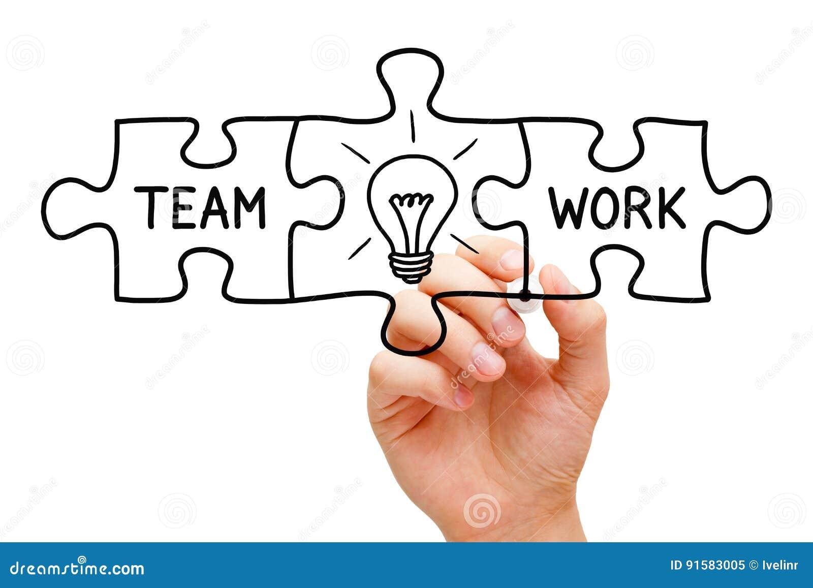 Concept de puzzle de grande idée de travail d équipe