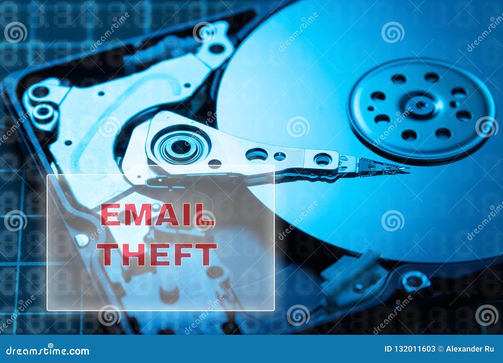 Concept de vol de données HDD Rupture du courrier, lettres économisantes à votre unité de disque dur