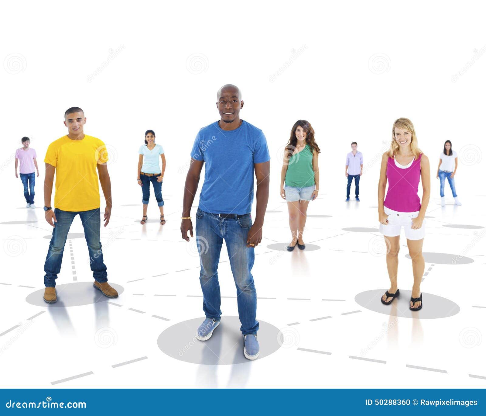 Concept debout de la Communauté de communication de réseau de la jeunesse