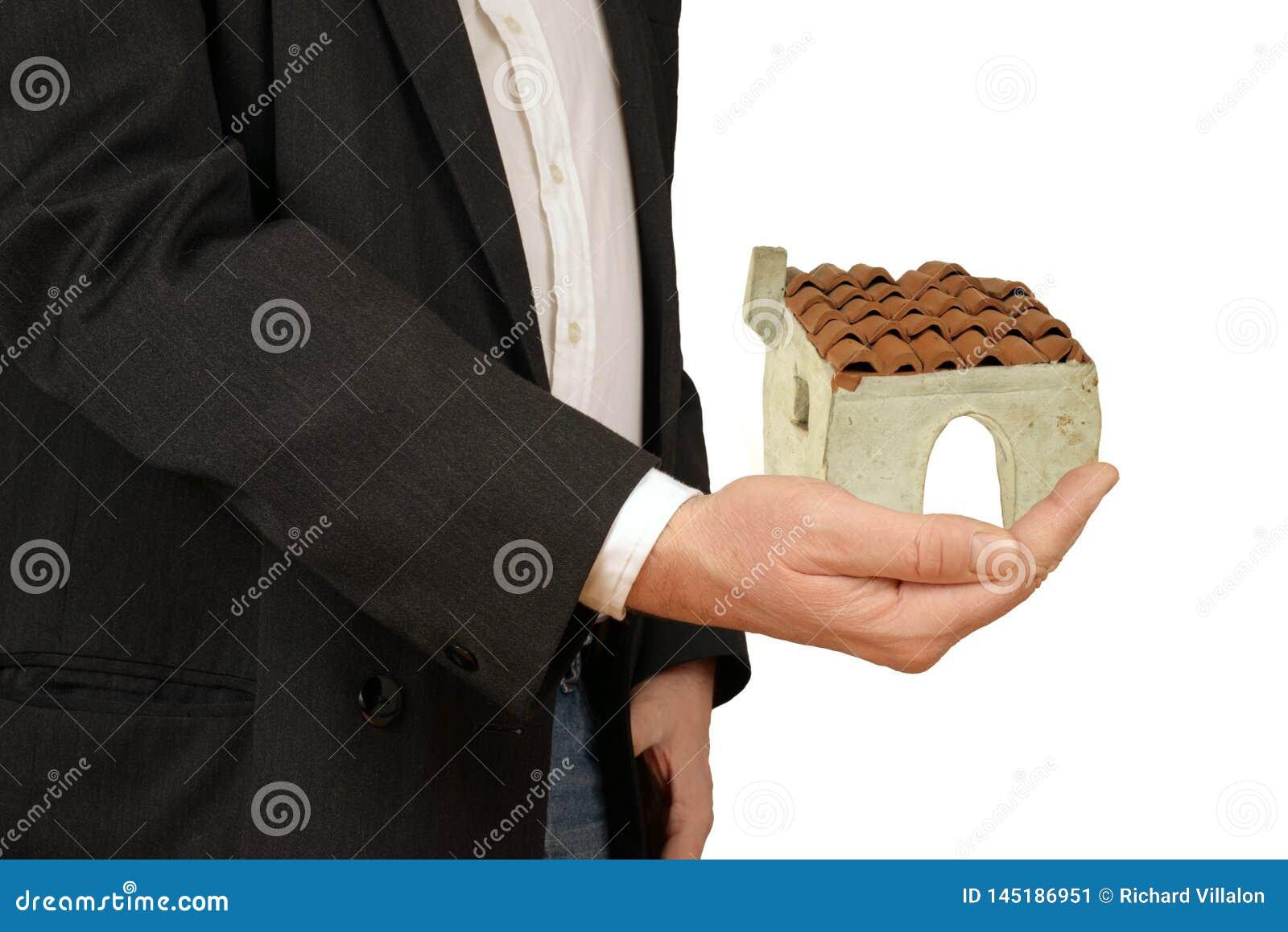 Concept des achats ou de louer une maison