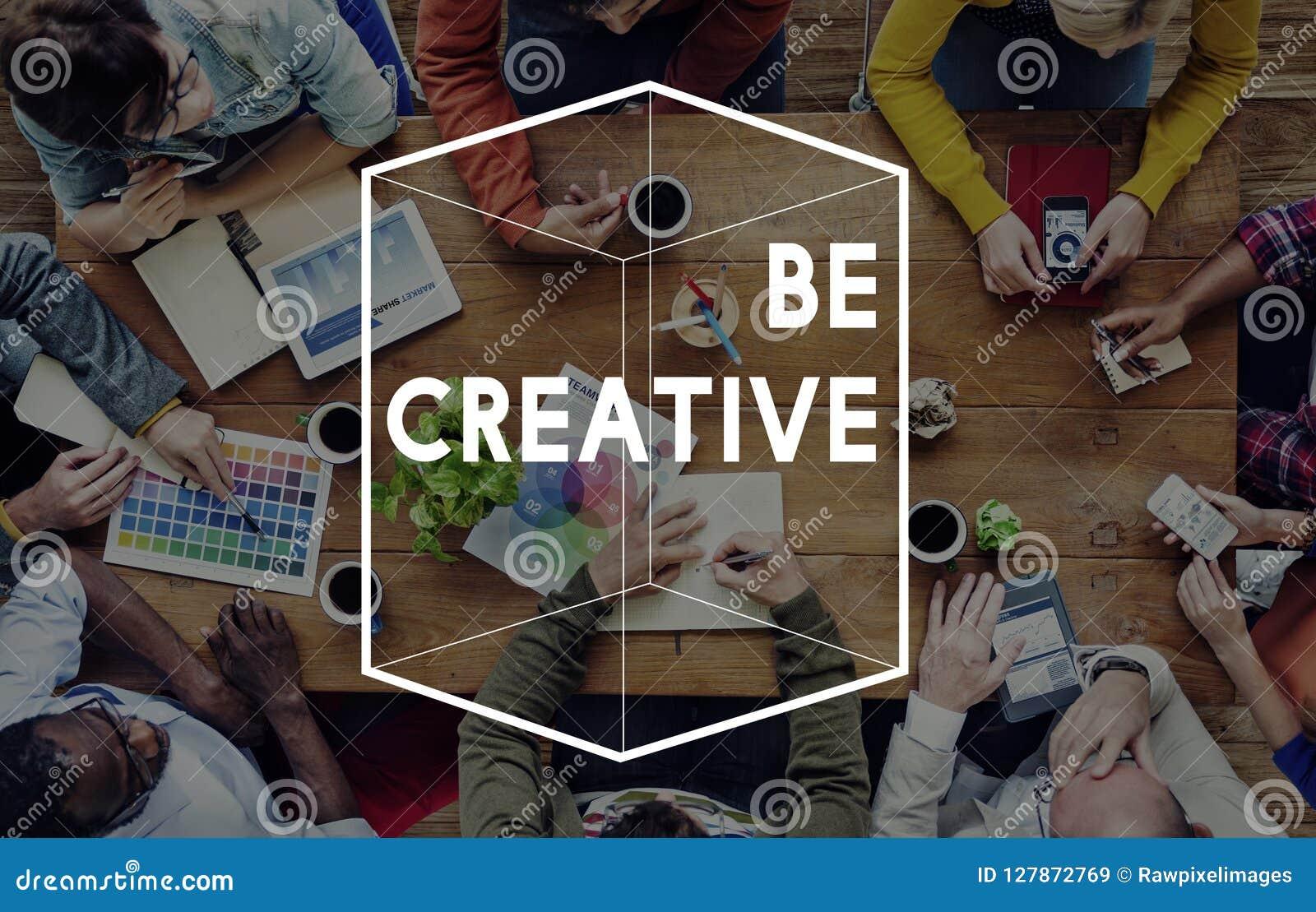 Concept différent de graphique de cube en pensée créative