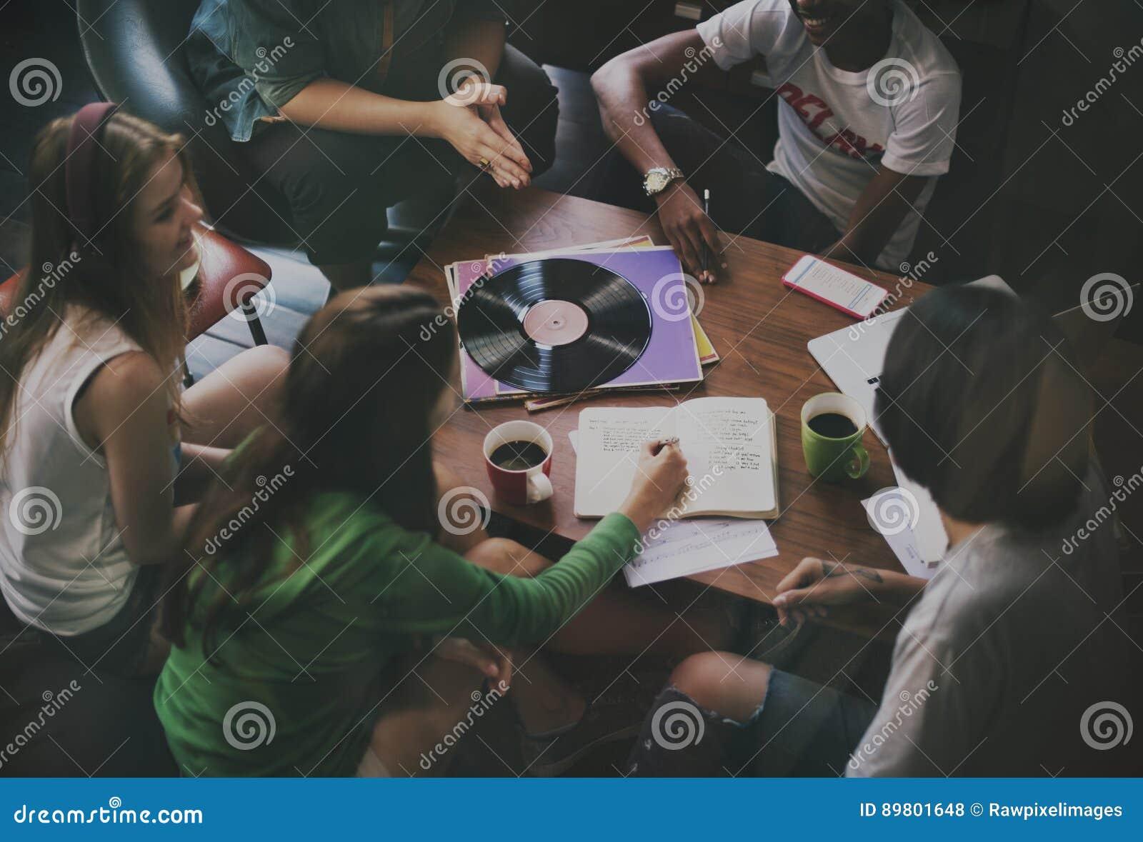 Concept divers de planification de projets des jeunes de groupe
