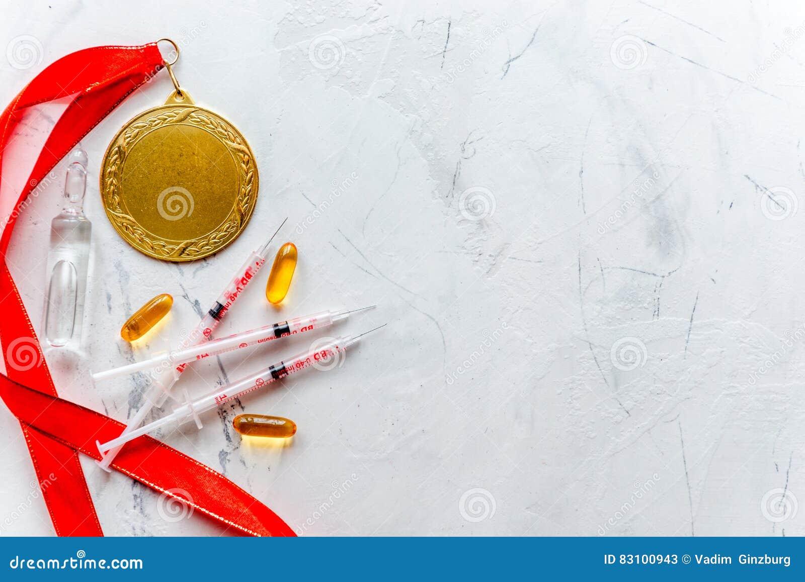 Concept du dopage dans le sport - vue supérieure de médailles de privation