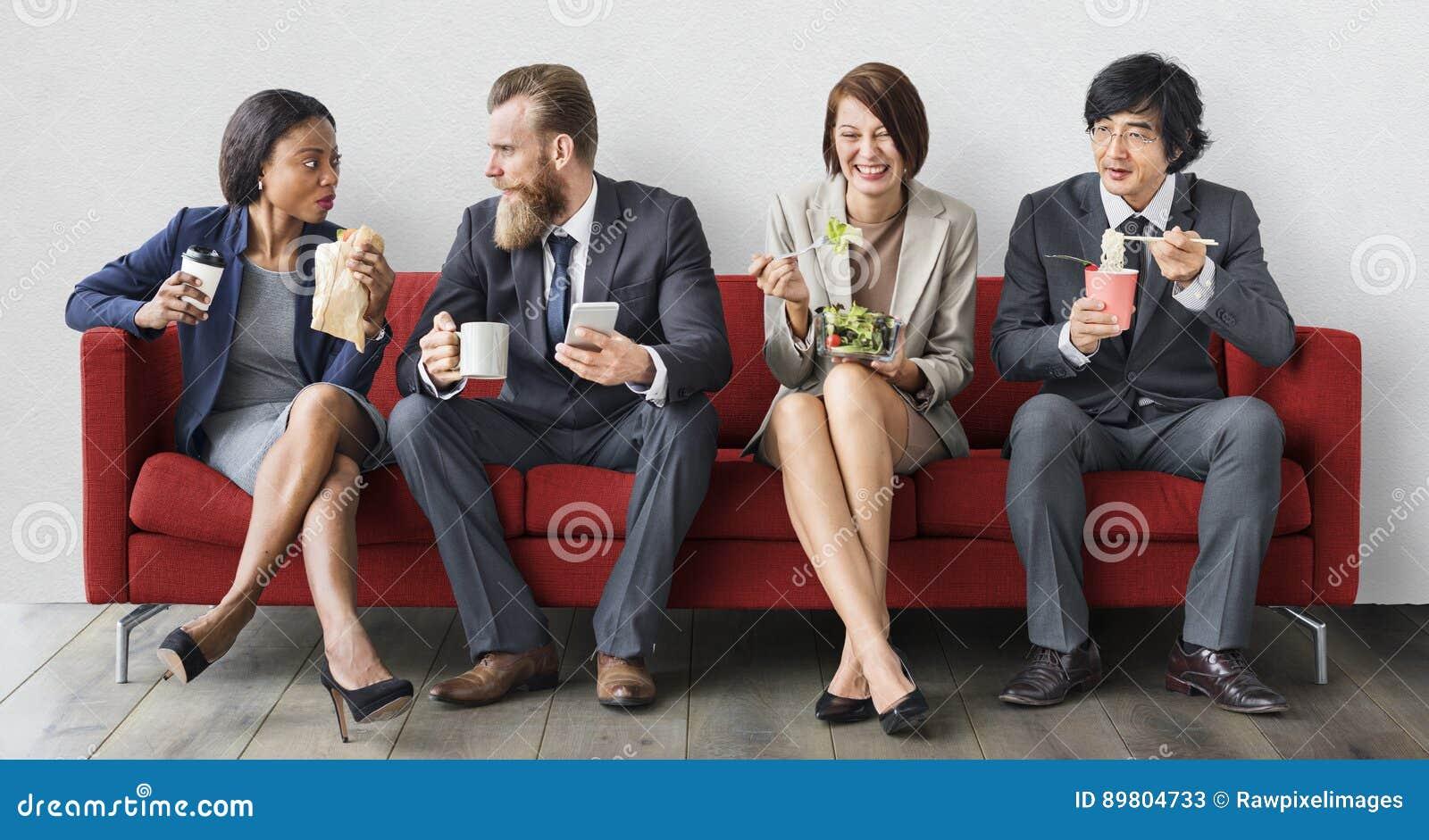 Concept het bedrijfs van Team Working Break Eating Lunch