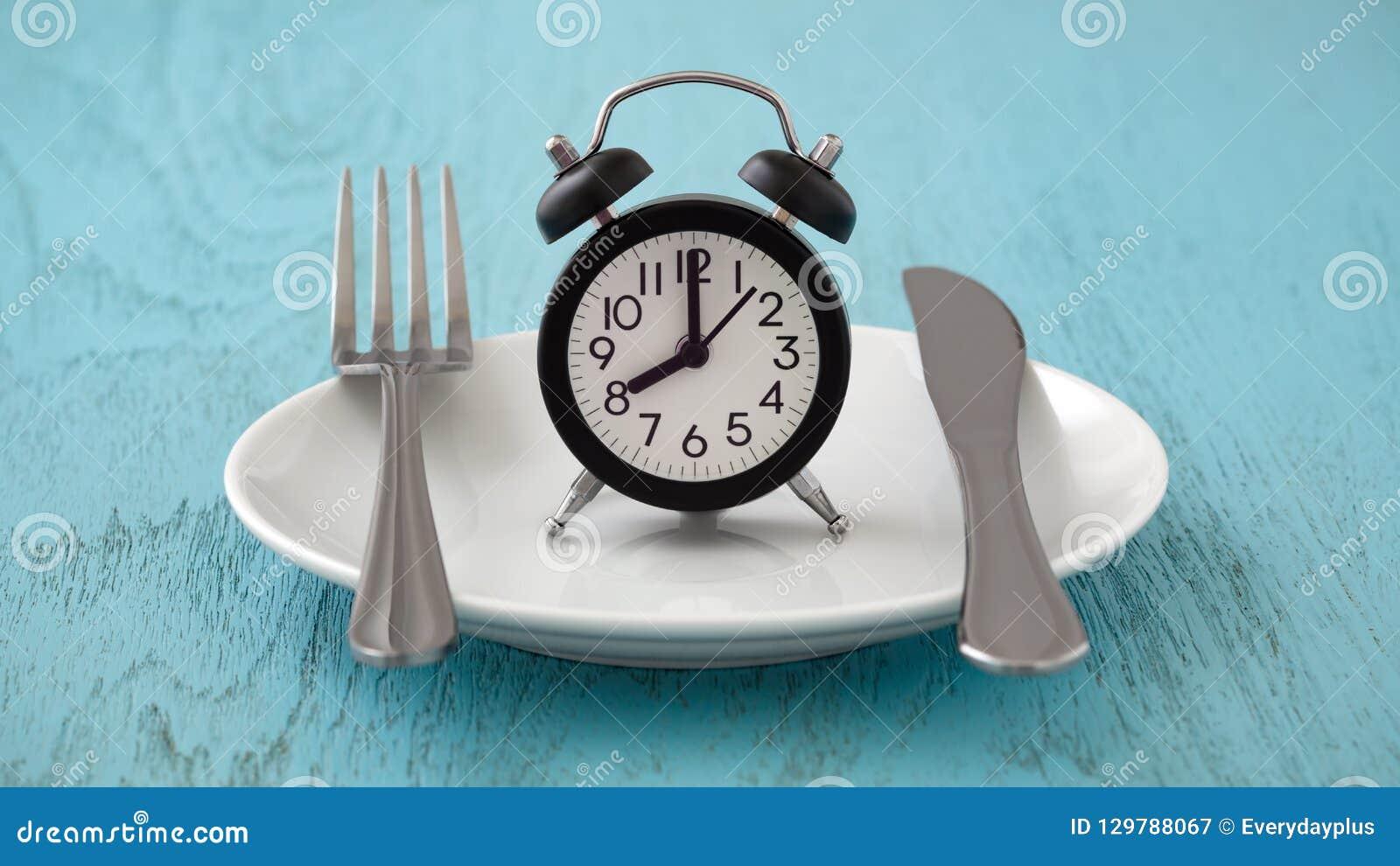 Concept intermittent de planification de jeûne et de repas