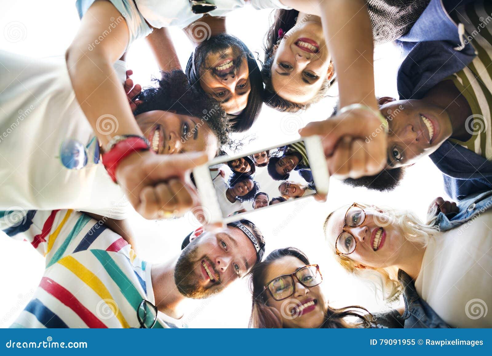 Concept parlant de photo de travail d équipe d étudiants universitaires