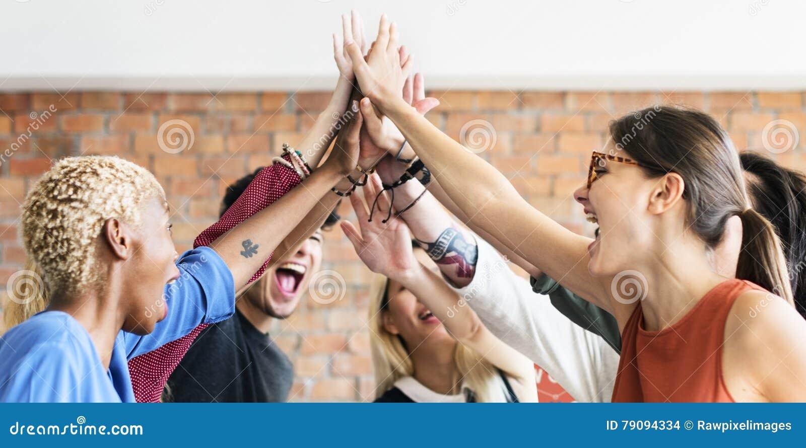 Concept réussi de lieu de travail de réunion de puissance de travail d équipe