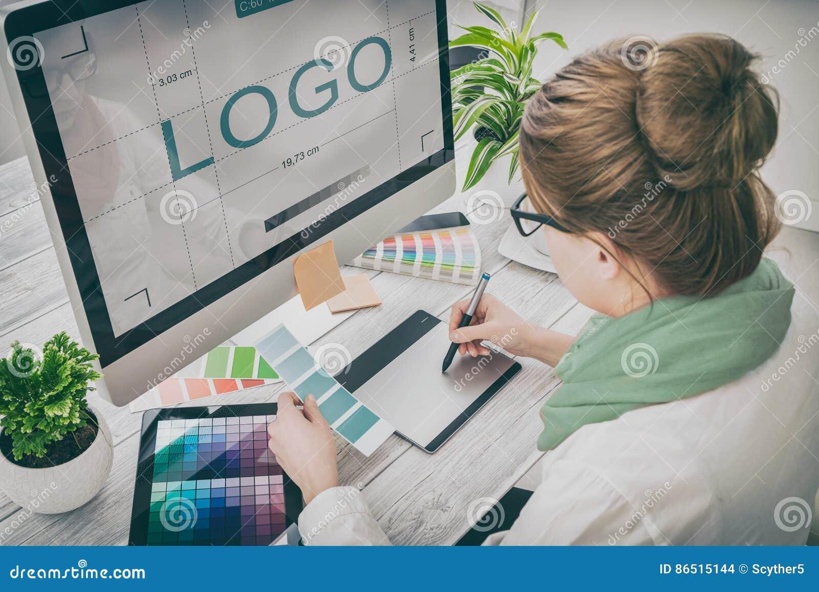 Concepteur au travail Échantillons de couleur