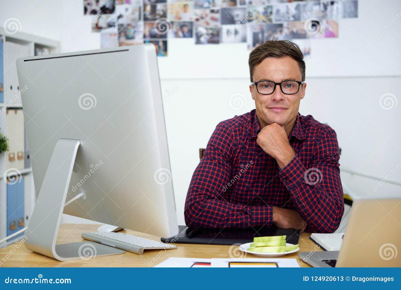 Concepteur beau de sourire de Web
