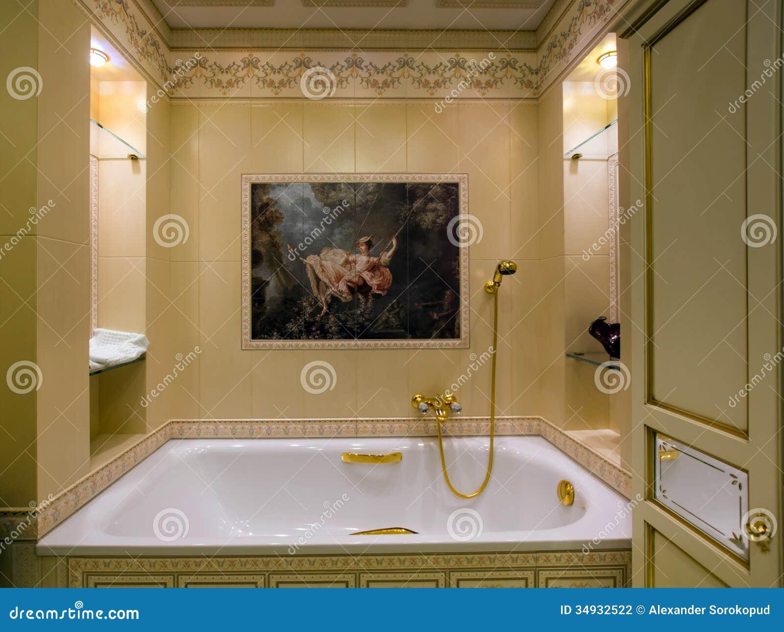 Conception à L\'ancienne De Salle De Bains Photo stock ...