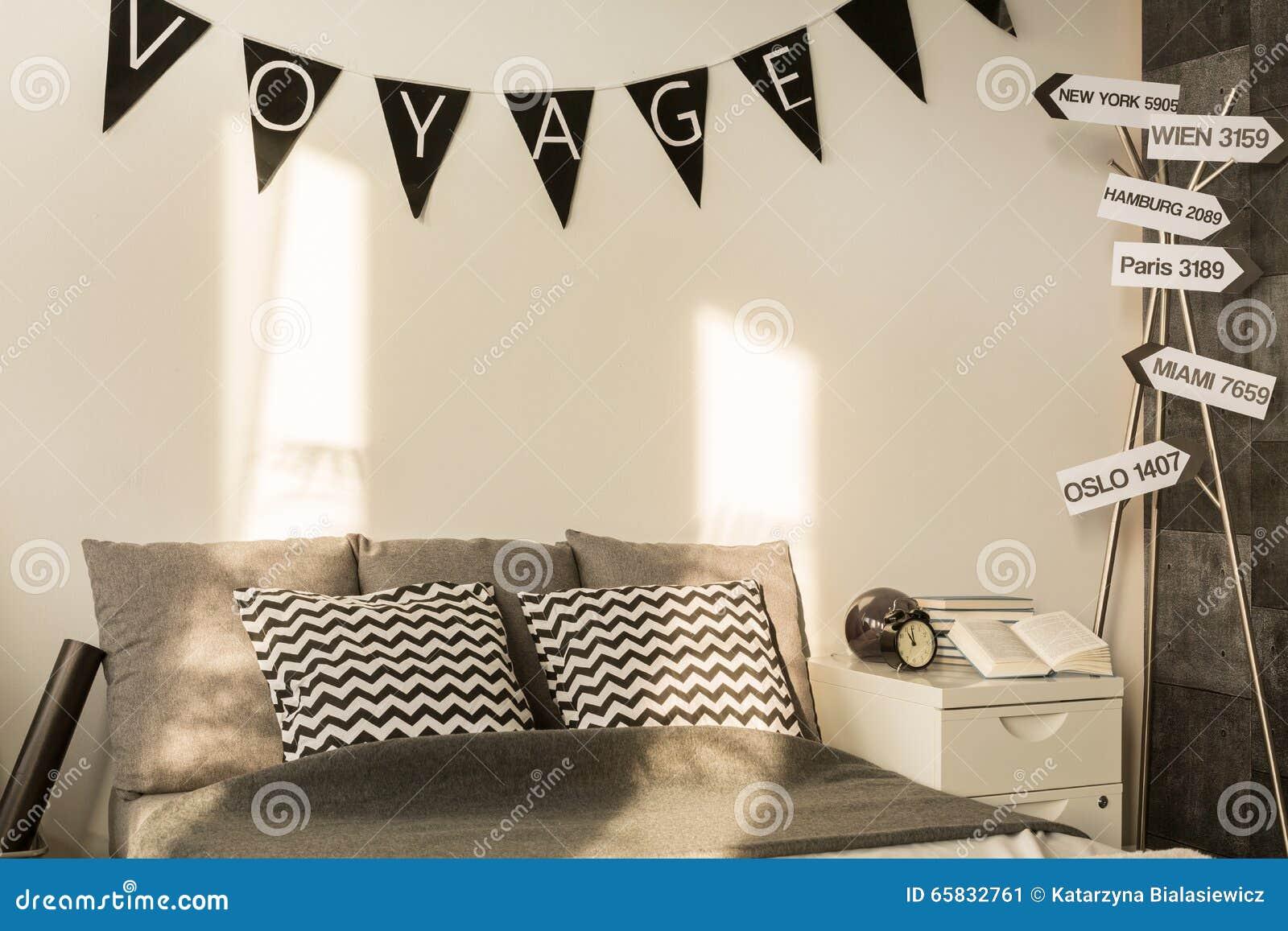 Conception blanche et grise de chambre à coucher photo stock ...