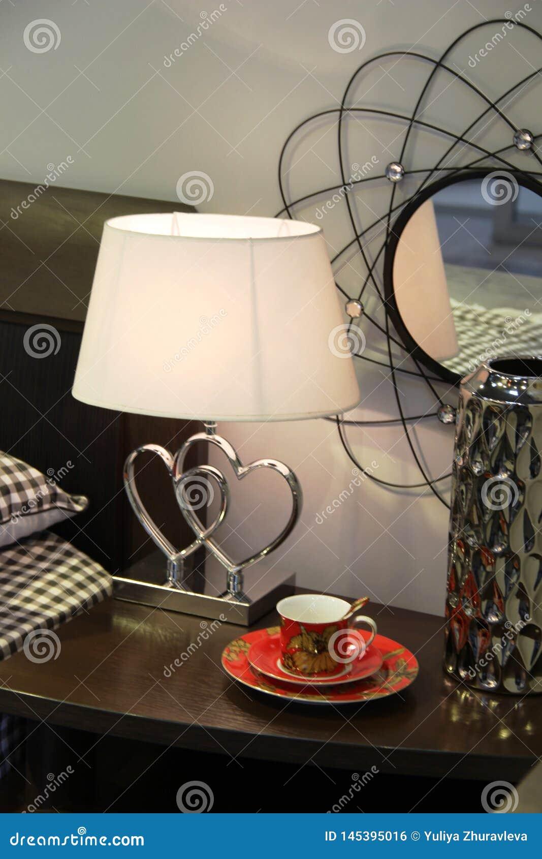 Conception décorative du secteur de table de chevet dans le domaine de ventes du magasin de meubles