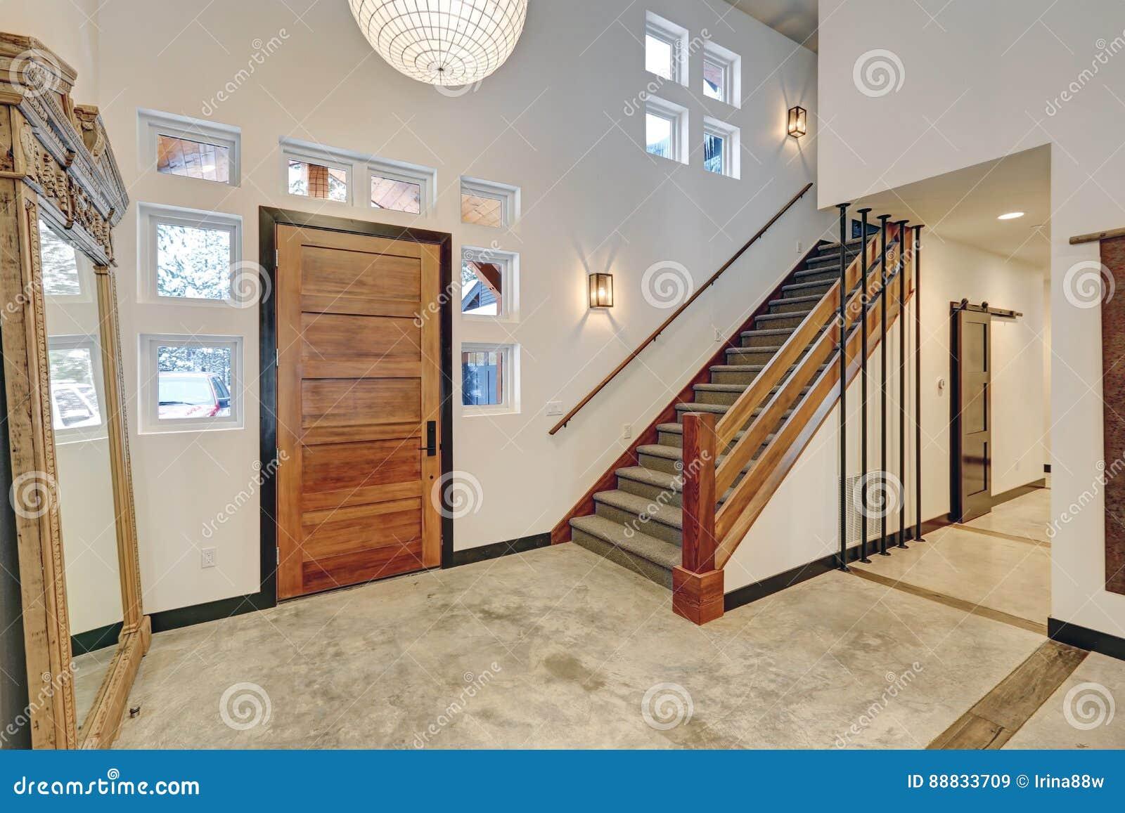 Conception Intérieure D\'entrée Dans La Belle Maison ...