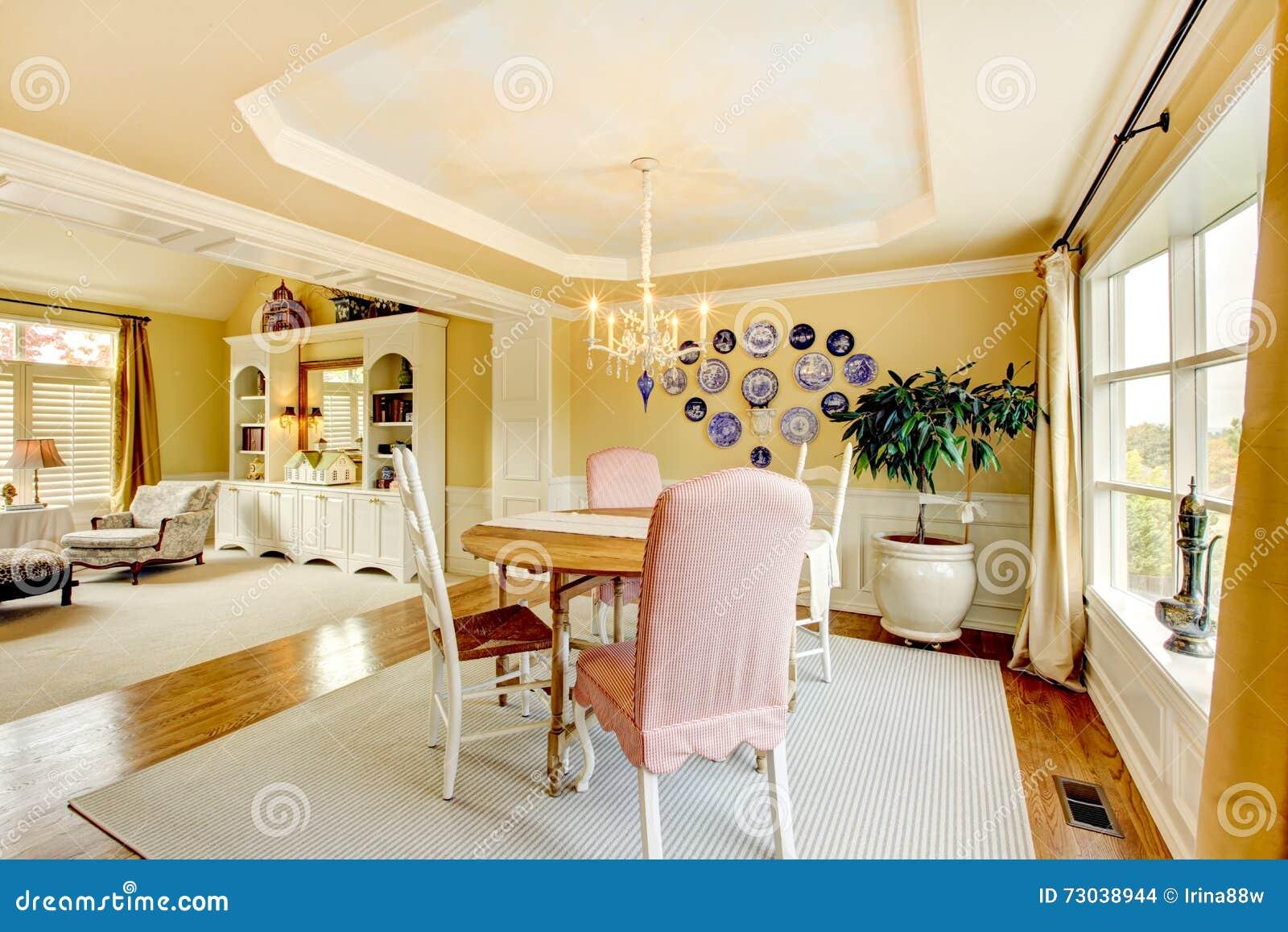 Conception Intérieure De Salon Américain Jaune Confortable ...