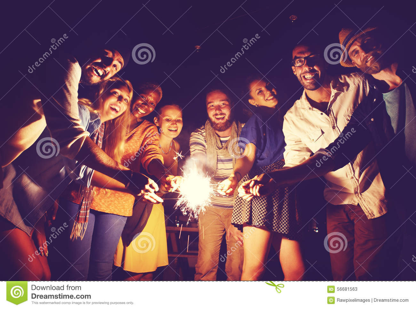 Concepto étnico diverso de la felicidad del ocio del partido de la amistad