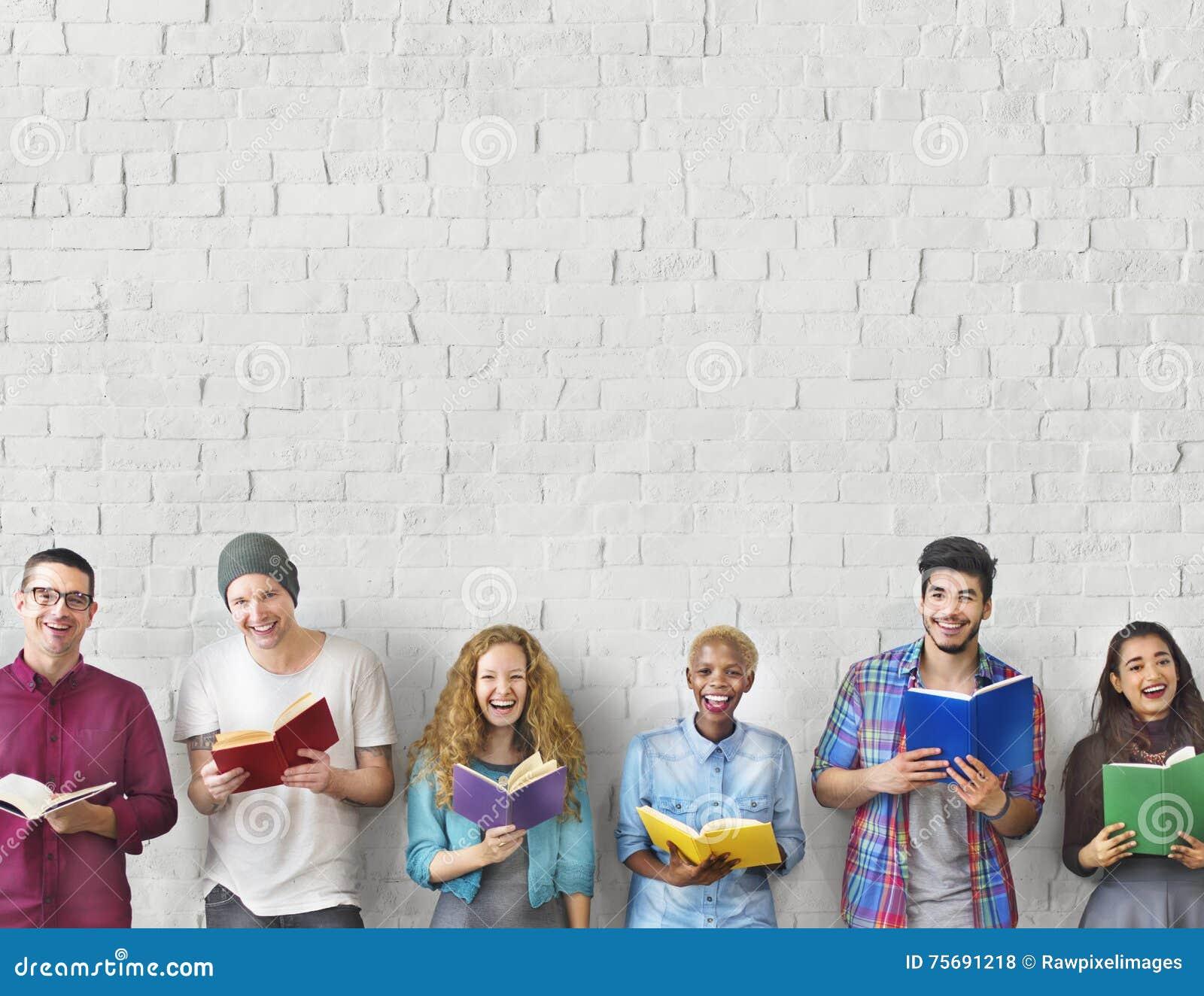 Concepto adulto del conocimiento de la educación de la lectura de la juventud de los estudiantes