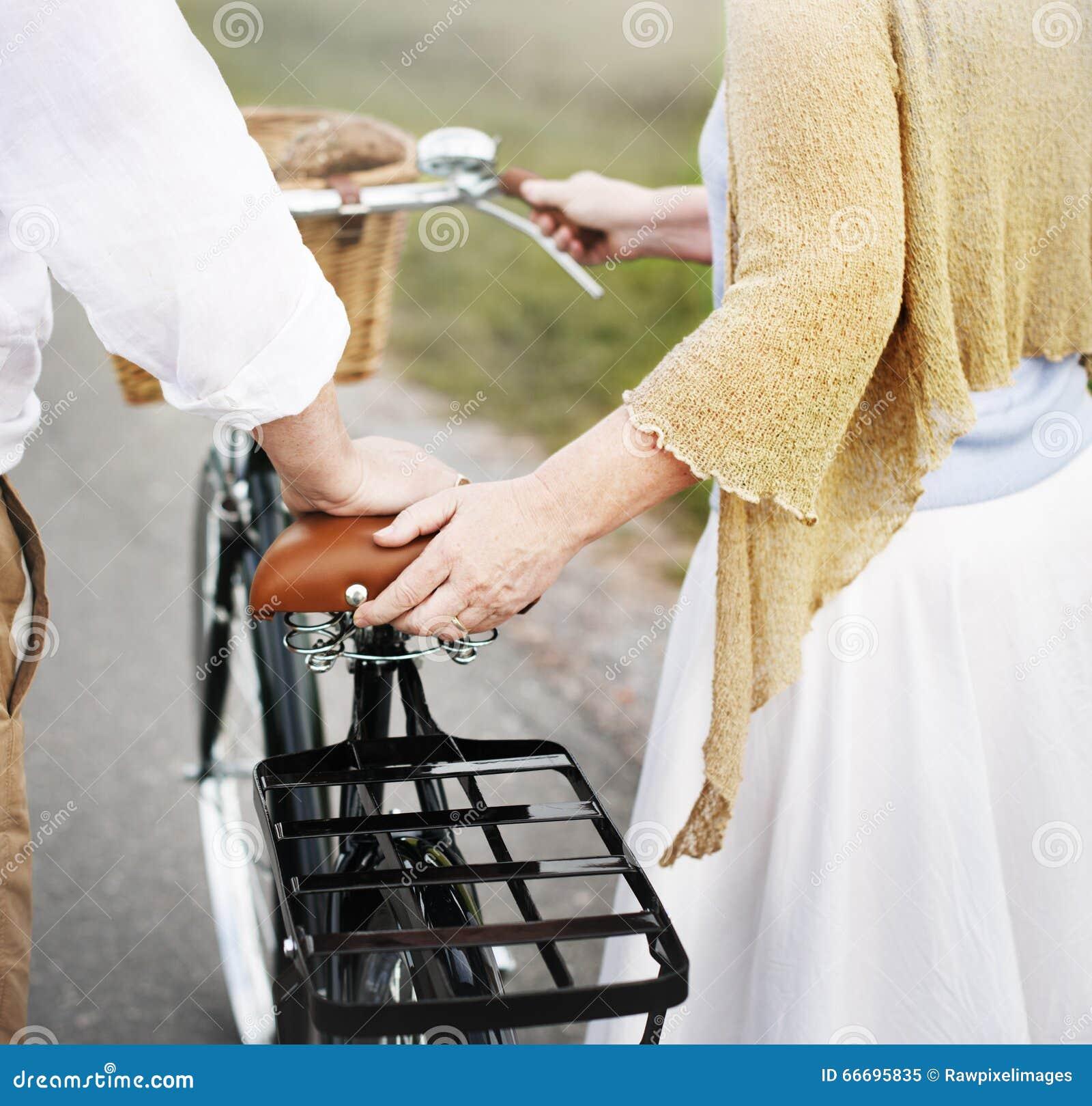 Concepto alegre de Romatic del caucásico de la esposa del marido de los pares